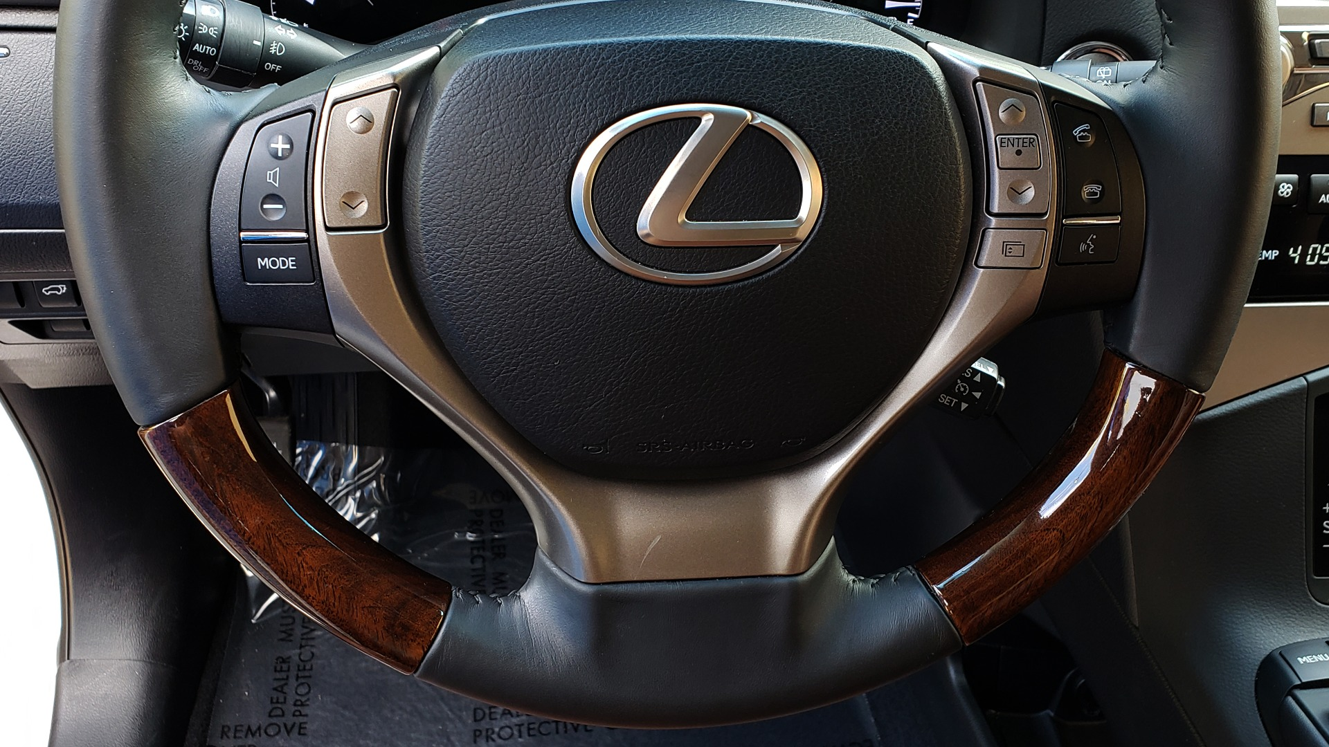 Used 2015 Lexus RX 350 PREMIUM PKG / COMFORT PKG / NAV / SUNROOF / BSM / TOWING for sale Sold at Formula Imports in Charlotte NC 28227 43