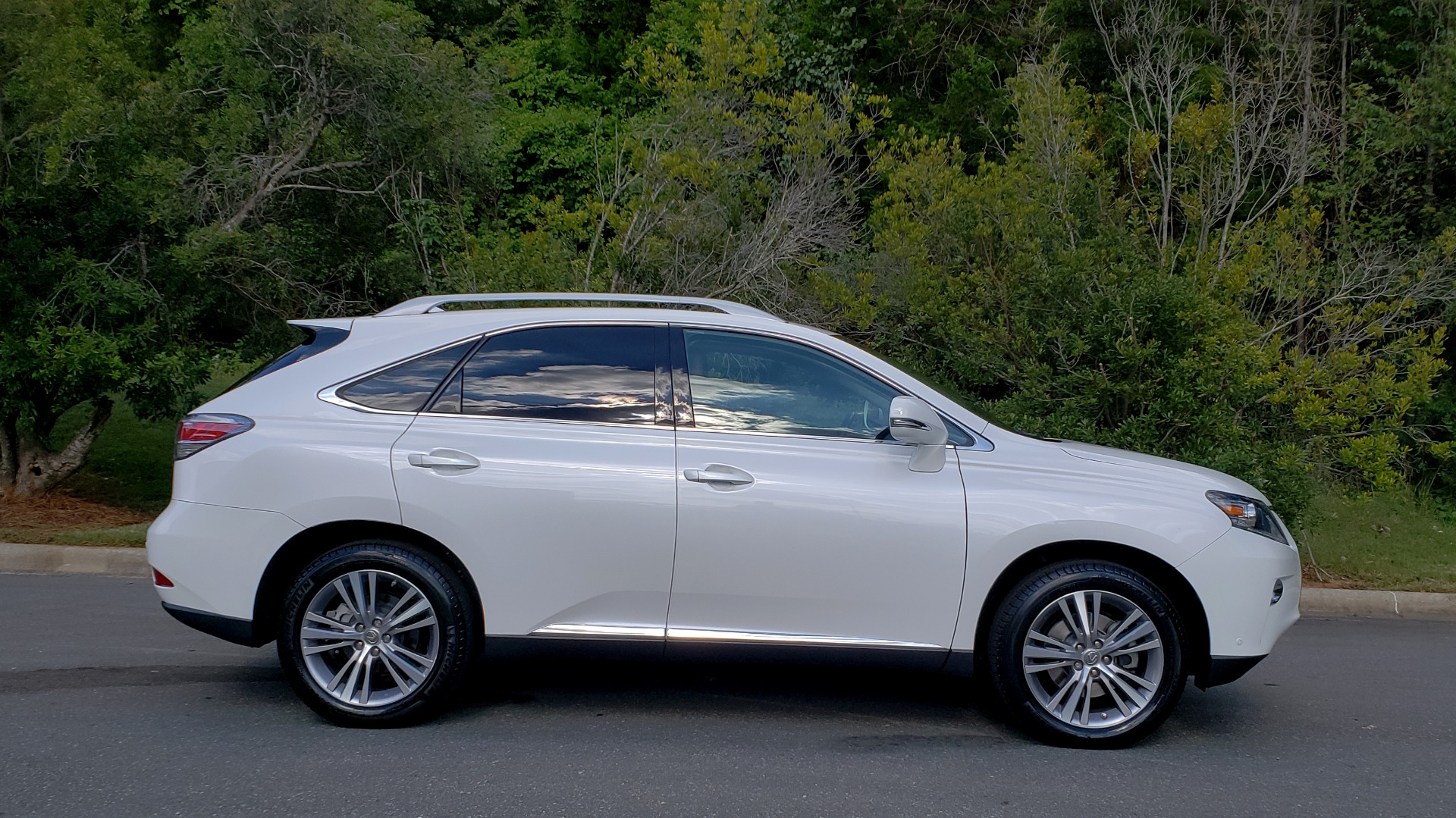 Used 2015 Lexus RX 350 PREMIUM PKG / COMFORT PKG / NAV / SUNROOF / BSM / TOWING for sale Sold at Formula Imports in Charlotte NC 28227 6
