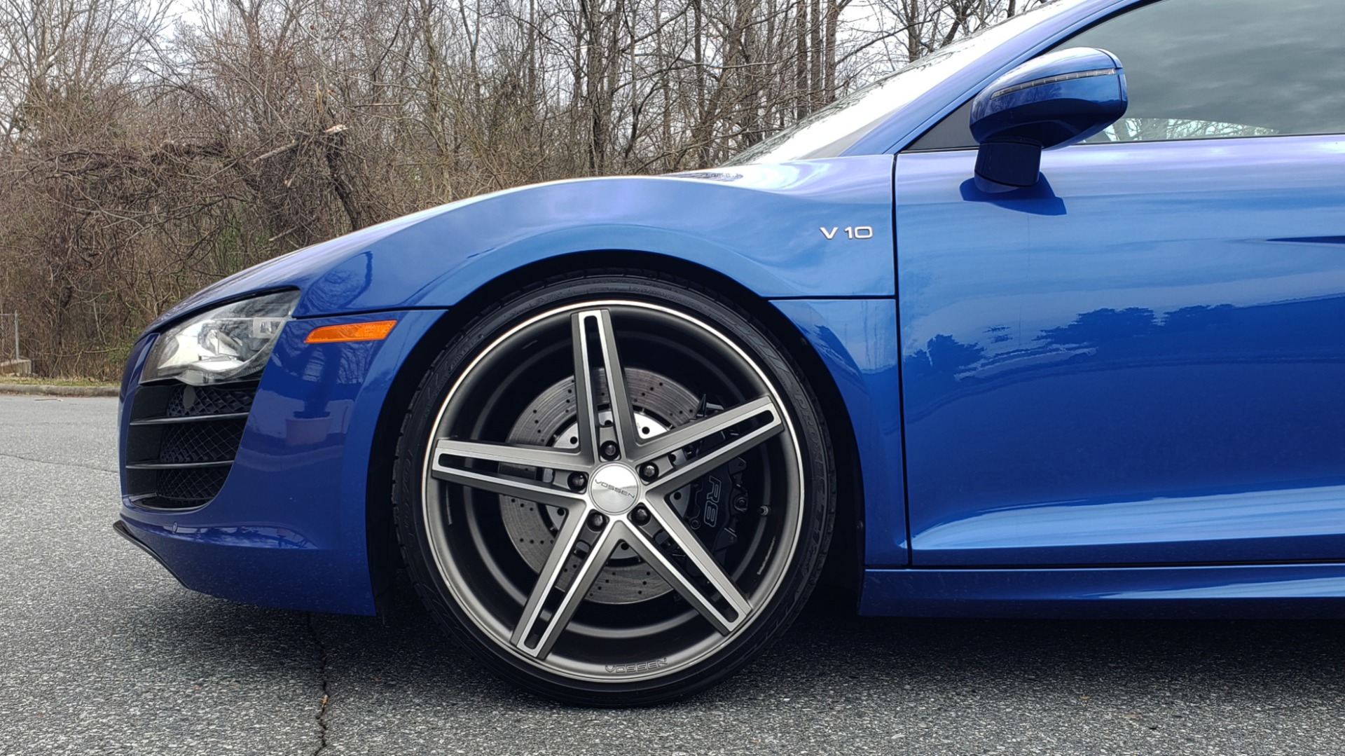 Used 2010 Audi R8 5.2L V10 / AWD / COUPE / NAV / 6-SPD AUTO / CUSTOM WHEELS for sale Sold at Formula Imports in Charlotte NC 28227 71