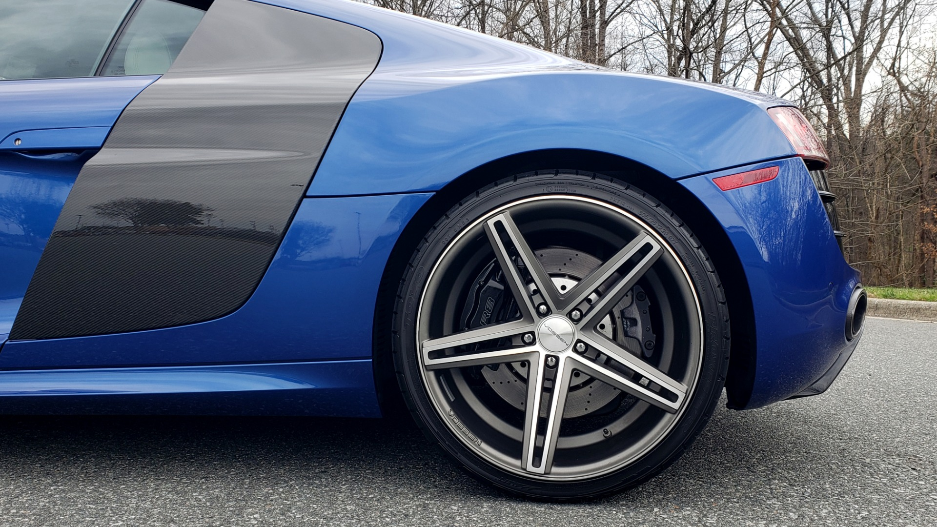 Used 2010 Audi R8 5.2L V10 / AWD / COUPE / NAV / 6-SPD AUTO / CUSTOM WHEELS for sale Sold at Formula Imports in Charlotte NC 28227 72