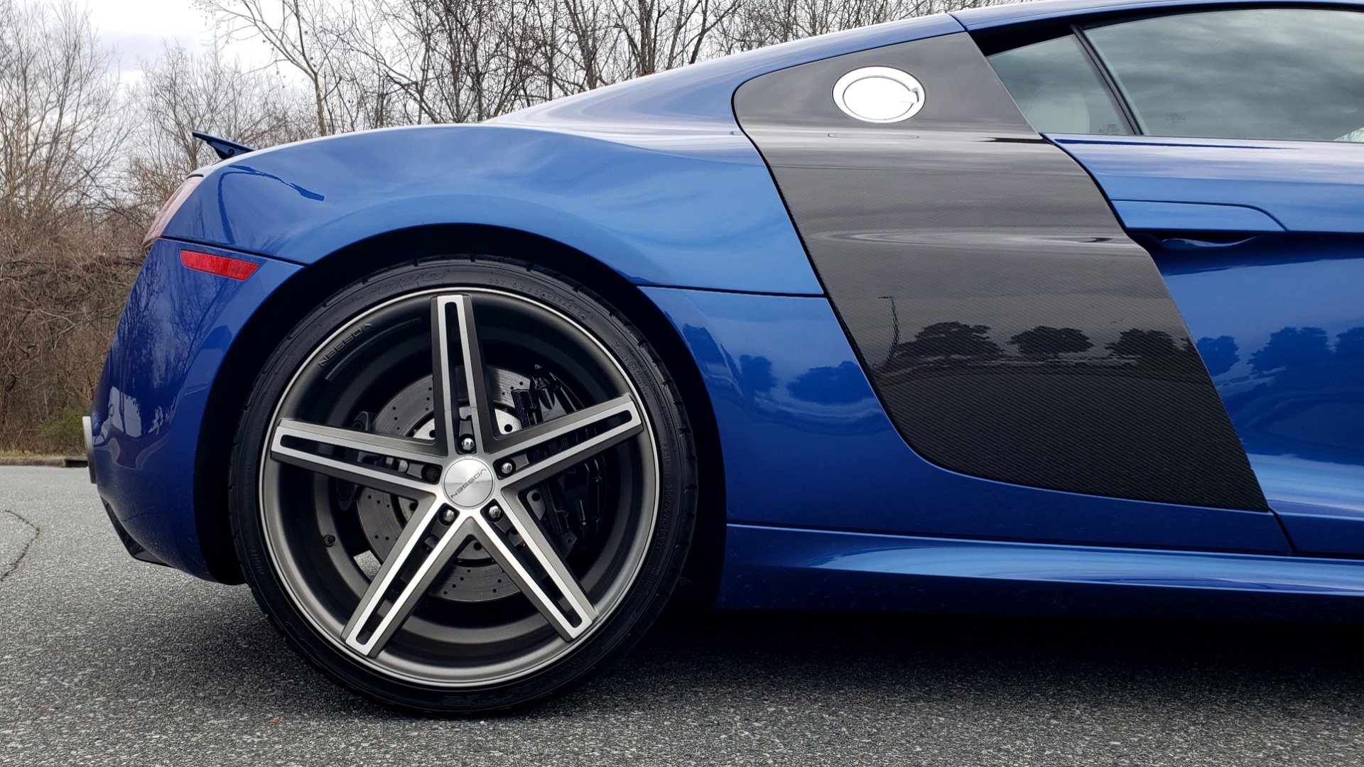 Used 2010 Audi R8 5.2L V10 / AWD / COUPE / NAV / 6-SPD AUTO / CUSTOM WHEELS for sale Sold at Formula Imports in Charlotte NC 28227 73