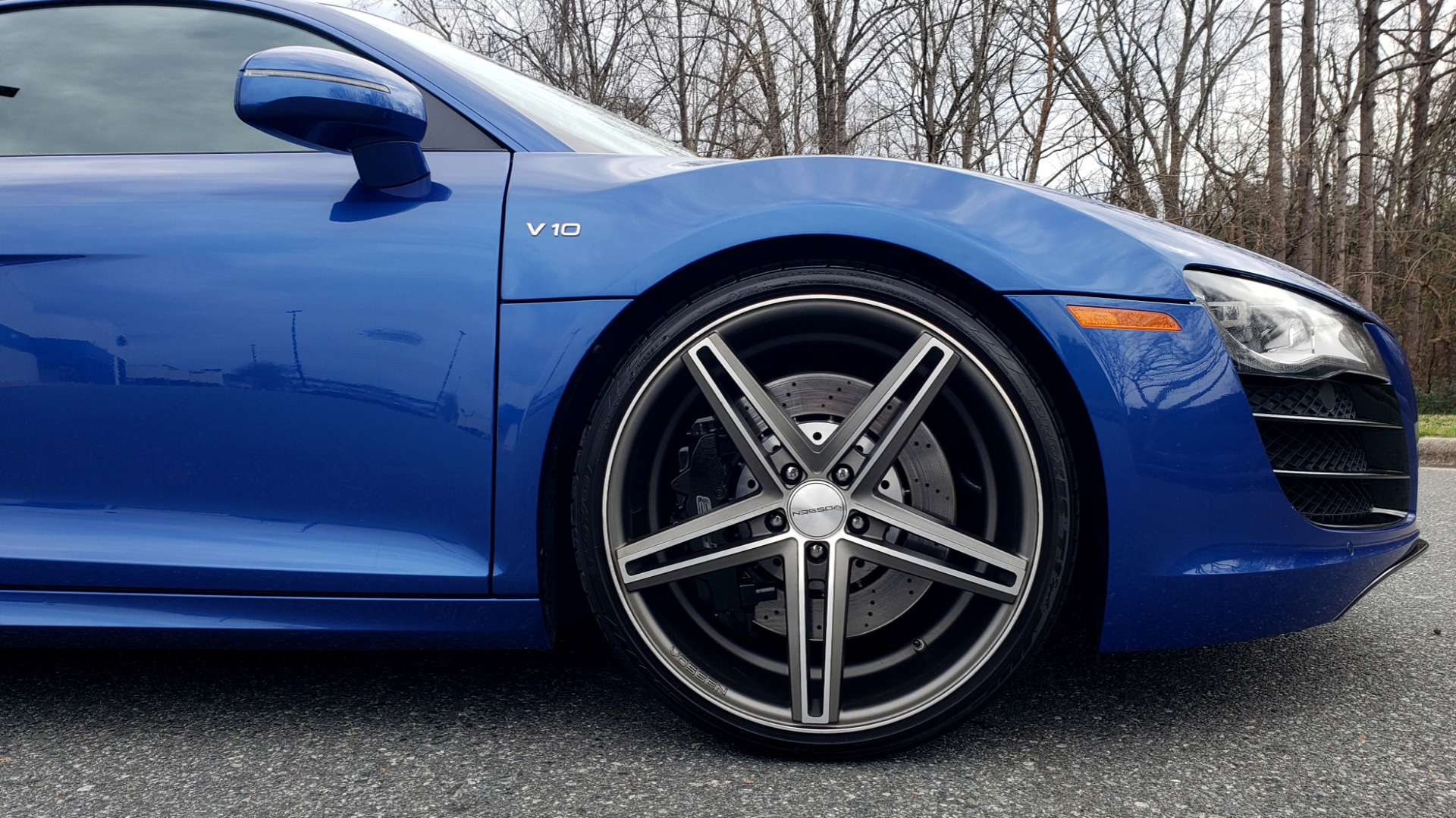 Used 2010 Audi R8 5.2L V10 / AWD / COUPE / NAV / 6-SPD AUTO / CUSTOM WHEELS for sale Sold at Formula Imports in Charlotte NC 28227 74