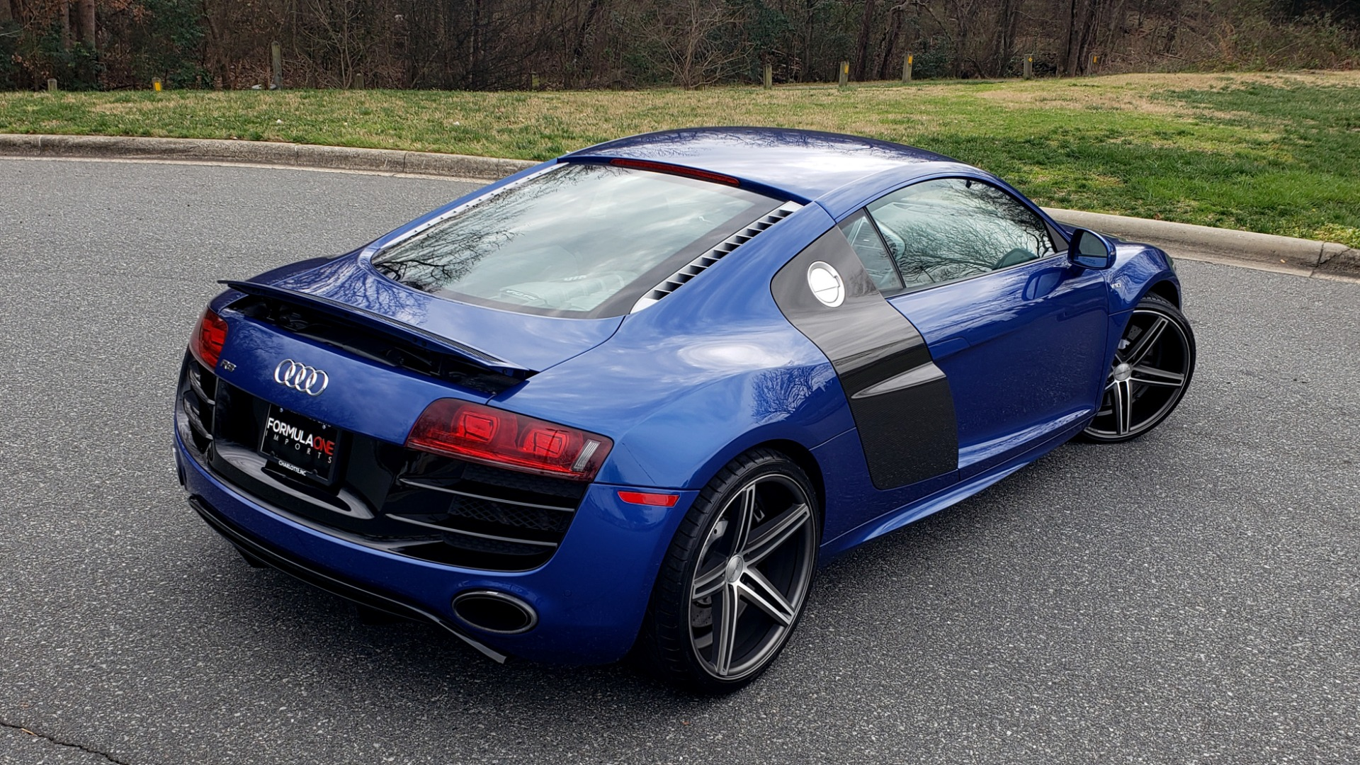 Used 2010 Audi R8 5.2L V10 / AWD / COUPE / NAV / 6-SPD AUTO / CUSTOM WHEELS for sale Sold at Formula Imports in Charlotte NC 28227 9