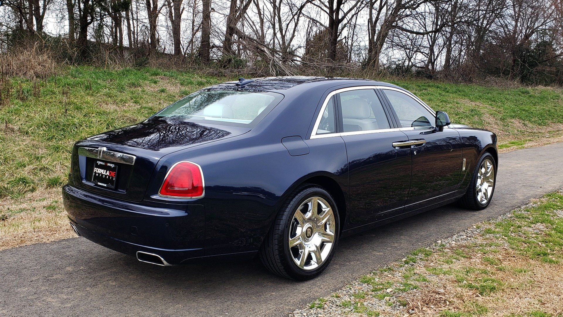 Used 2013 Rolls-Royce GHOST FTR SLCT 2/ NAV/ PANO-ROOF/ LN DEPART/ NIGHT VSN/ REARVIEW for sale Sold at Formula Imports in Charlotte NC 28227 6