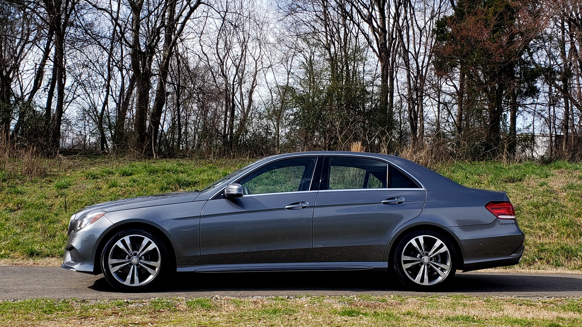 Used 2016 Mercedes-Benz E-CLASS E 350 PREM / KEYLESS-GO / NAV / SUNROOF / REARVIEW for sale Sold at Formula Imports in Charlotte NC 28227 2