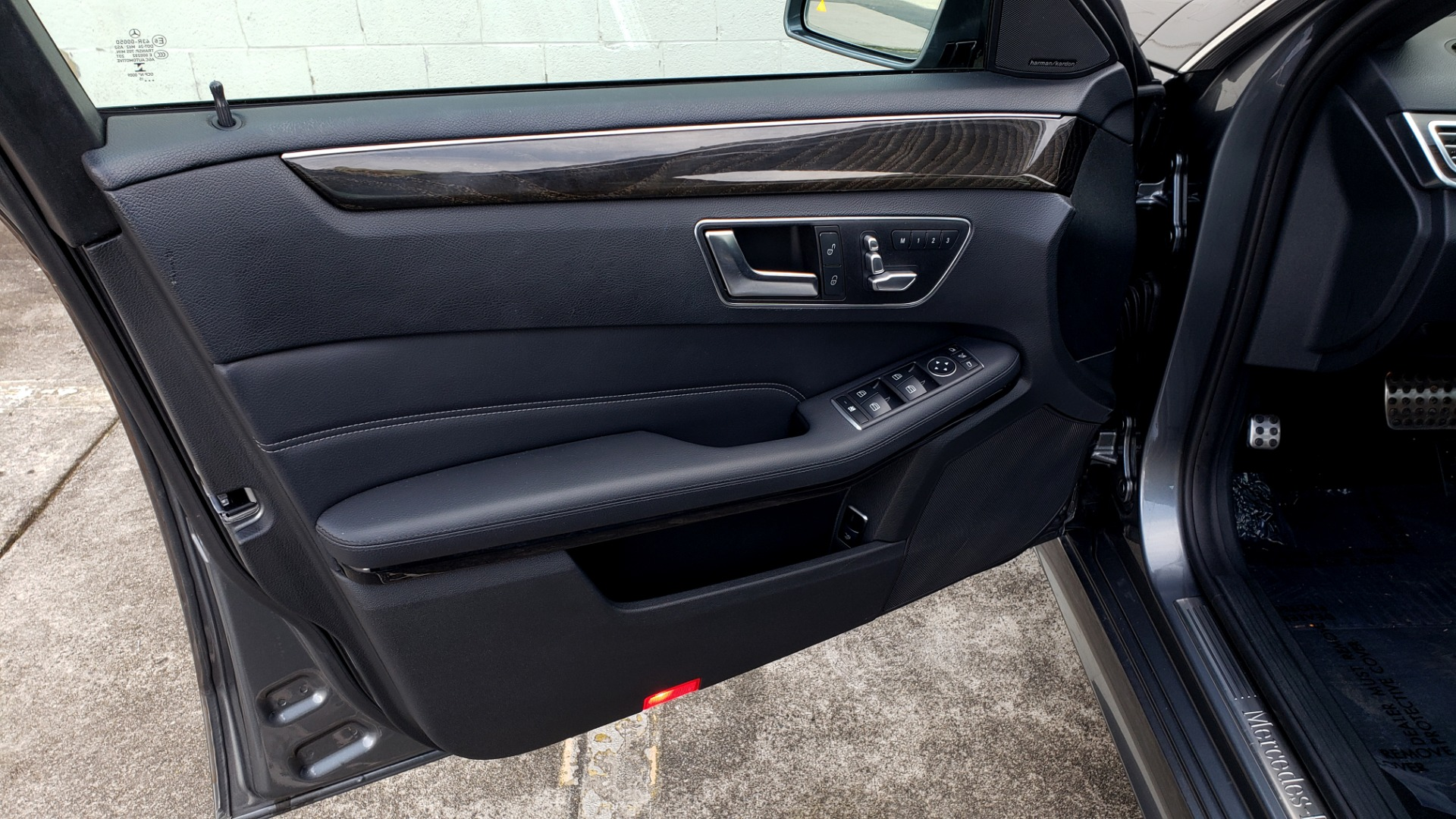 Used 2016 Mercedes-Benz E-CLASS E 350 PREM / KEYLESS-GO / NAV / SUNROOF / REARVIEW for sale Sold at Formula Imports in Charlotte NC 28227 29