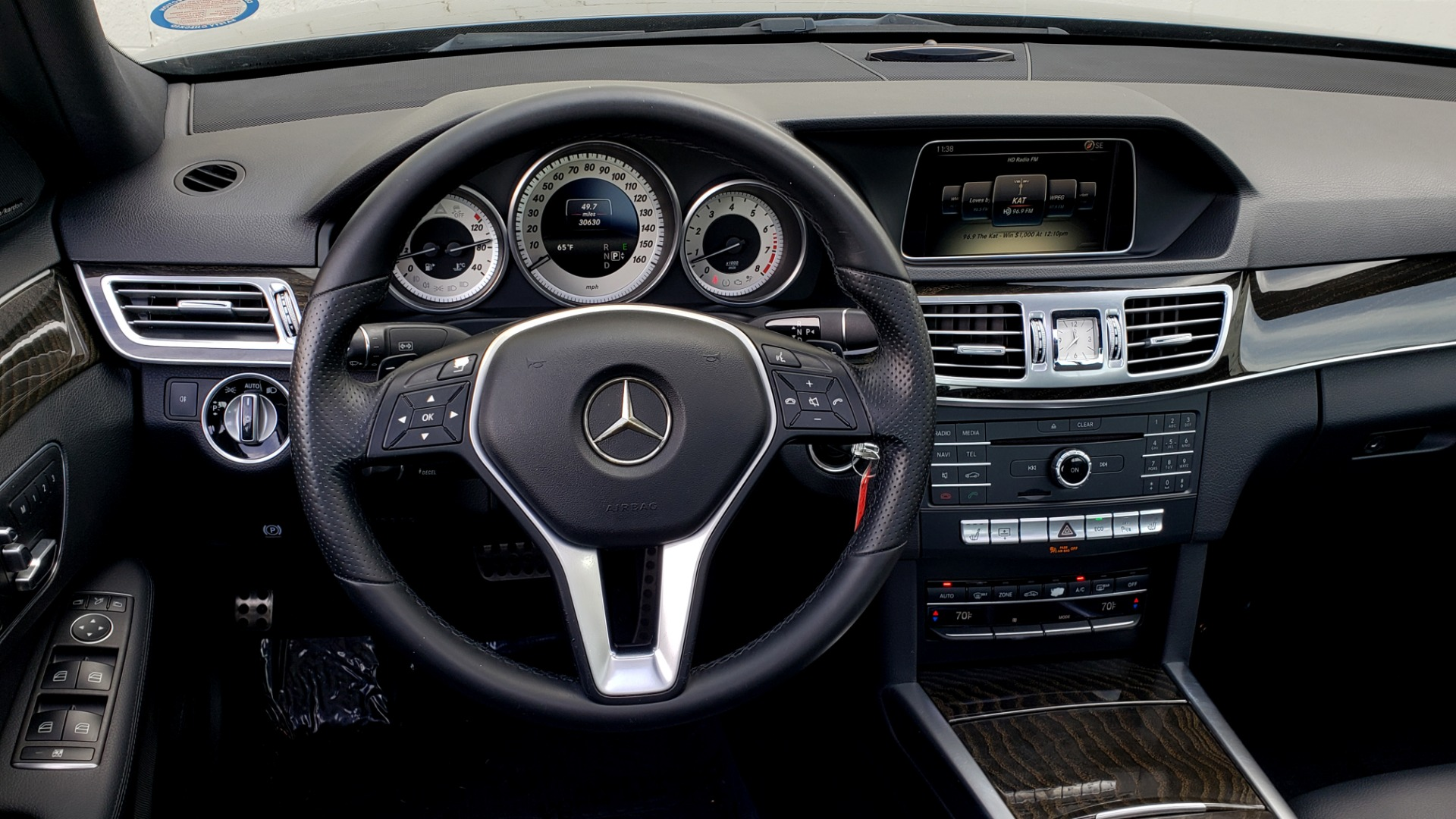 Used 2016 Mercedes-Benz E-CLASS E 350 PREM / KEYLESS-GO / NAV / SUNROOF / REARVIEW for sale Sold at Formula Imports in Charlotte NC 28227 35