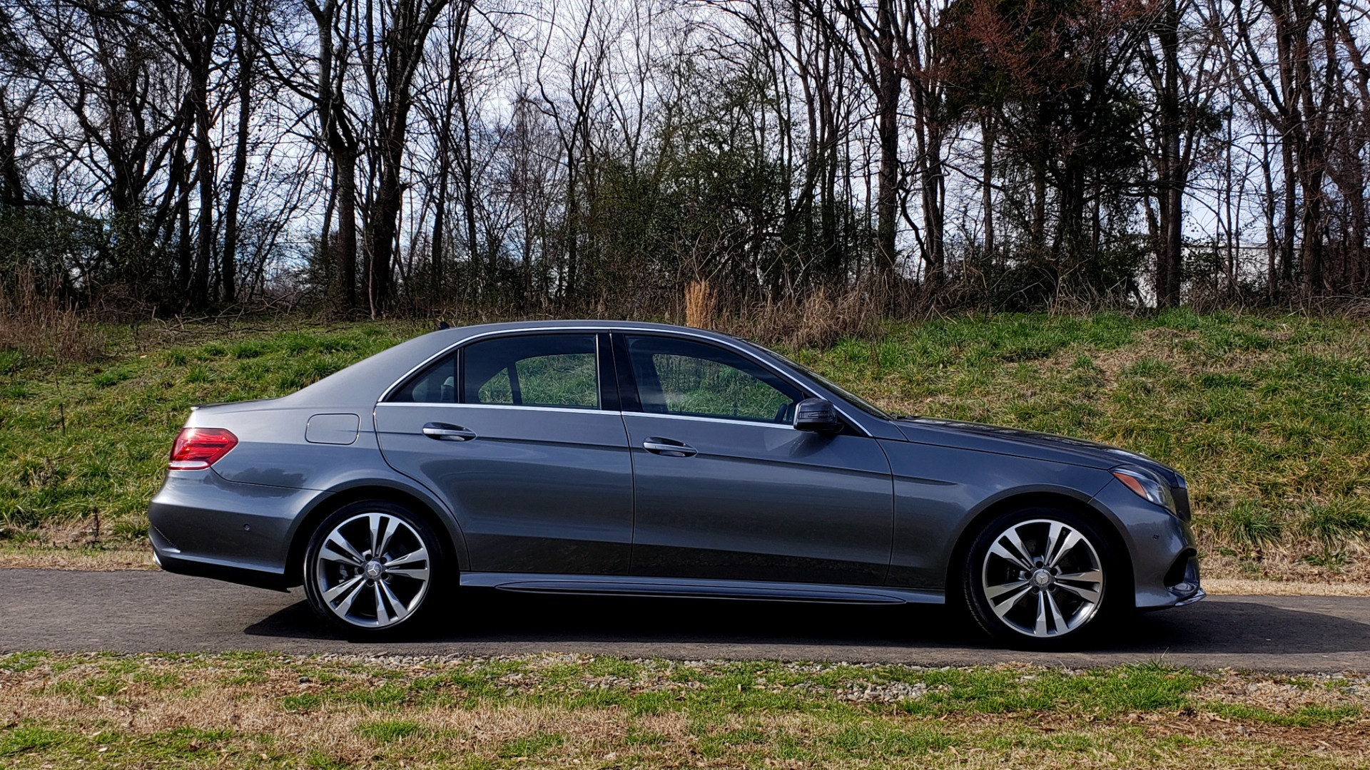 Used 2016 Mercedes-Benz E-CLASS E 350 PREM / KEYLESS-GO / NAV / SUNROOF / REARVIEW for sale Sold at Formula Imports in Charlotte NC 28227 5