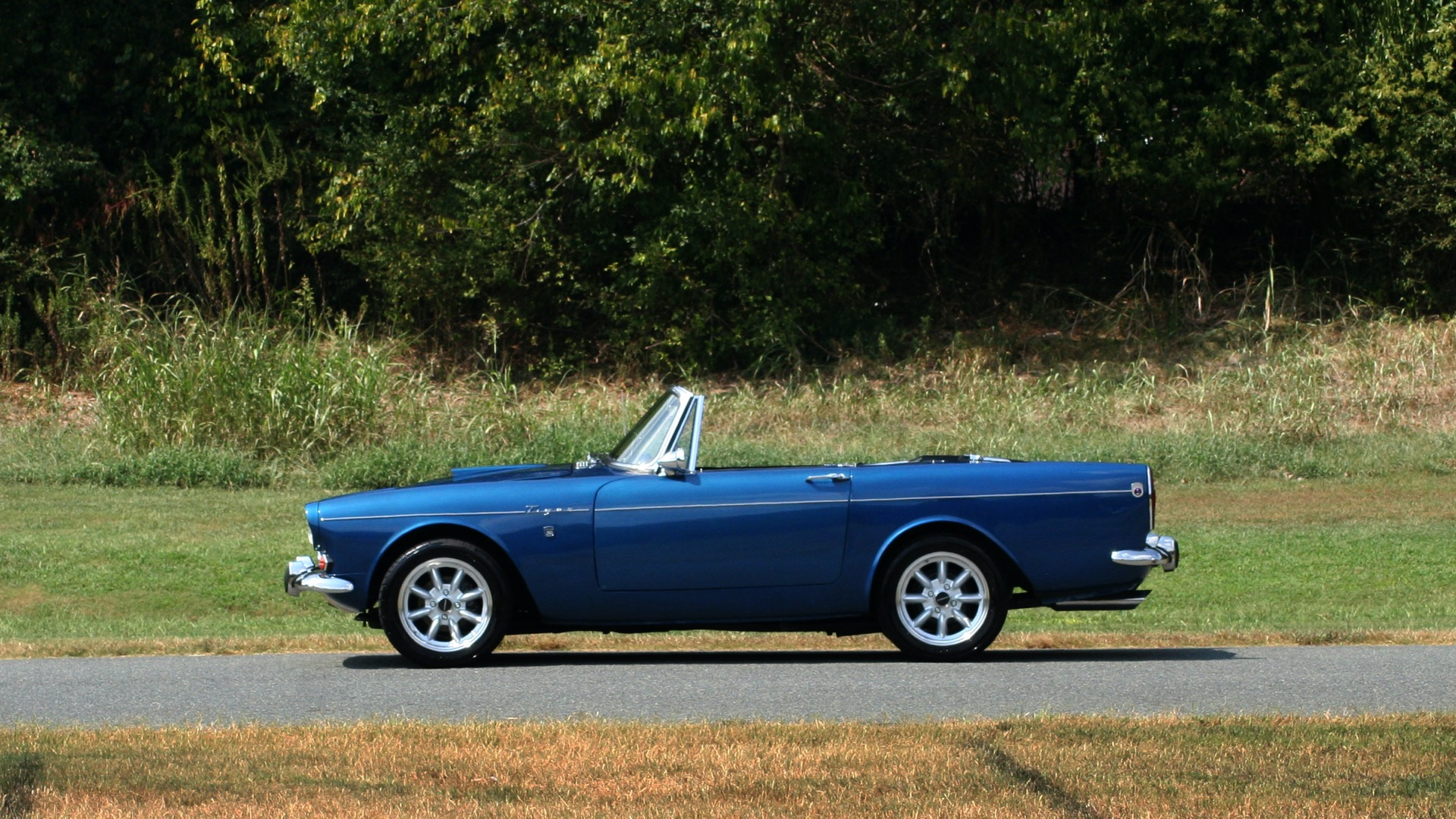 Used 1964 Sunbeam Tiger Convertible / 260ci V8 / 4-Speed Manual / Rear-Wheel Drive for sale $69,999 at Formula Imports in Charlotte NC 28227 2