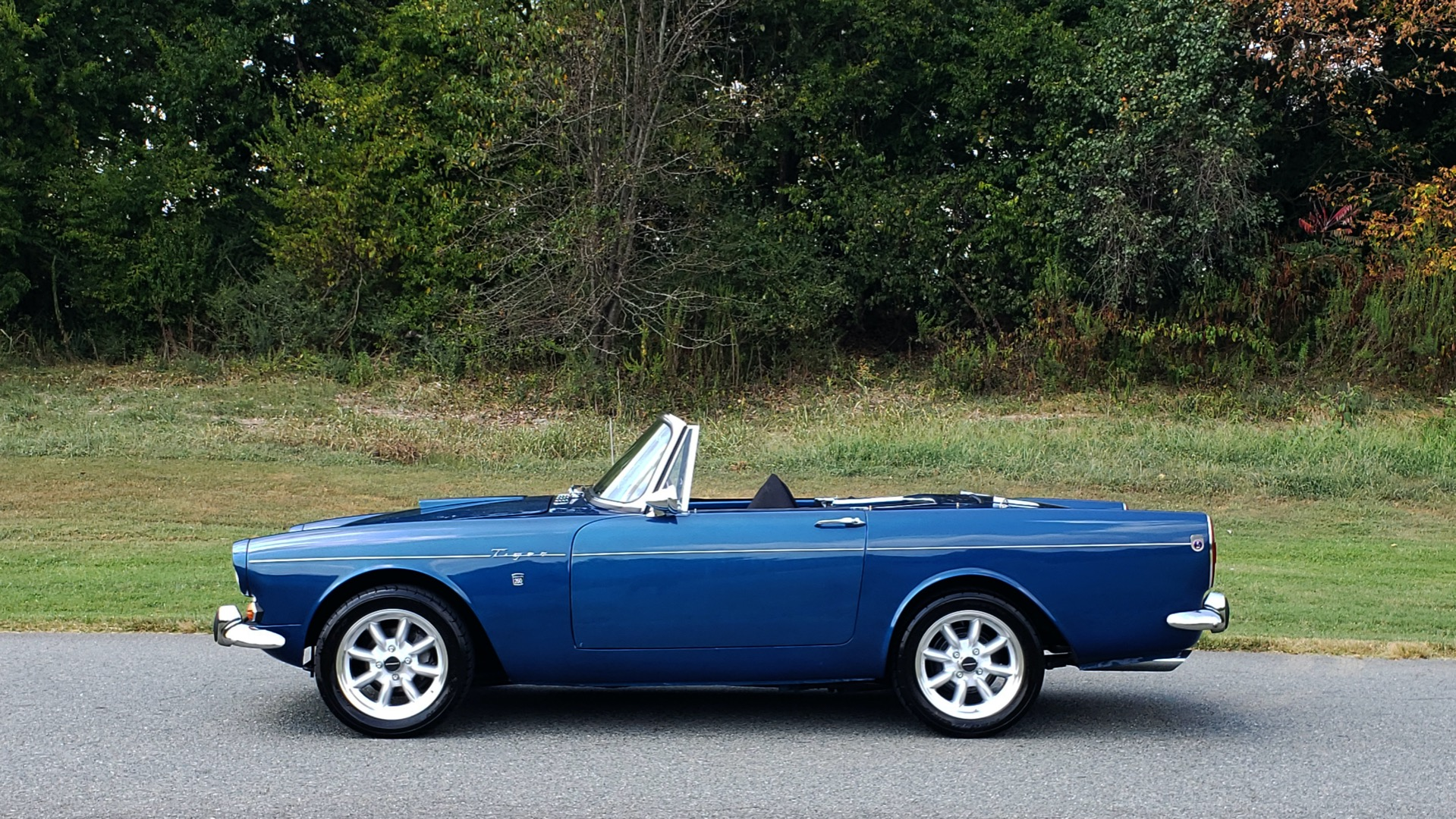 Used 1964 Sunbeam Tiger Convertible / 260ci V8 / 4-Speed Manual / Rear-Wheel Drive for sale $69,999 at Formula Imports in Charlotte NC 28227 32