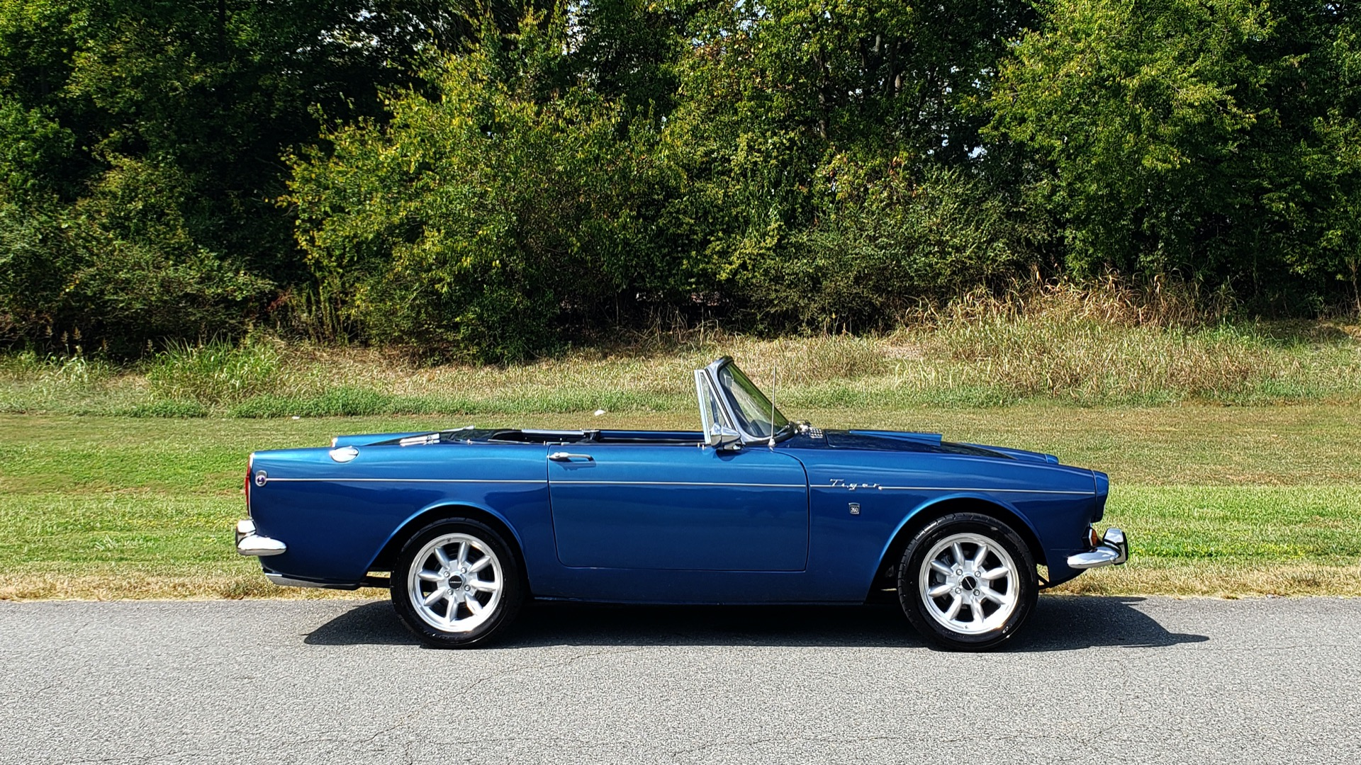 Used 1964 Sunbeam Tiger Convertible / 260ci V8 / 4-Speed Manual / Rear-Wheel Drive for sale $69,999 at Formula Imports in Charlotte NC 28227 6