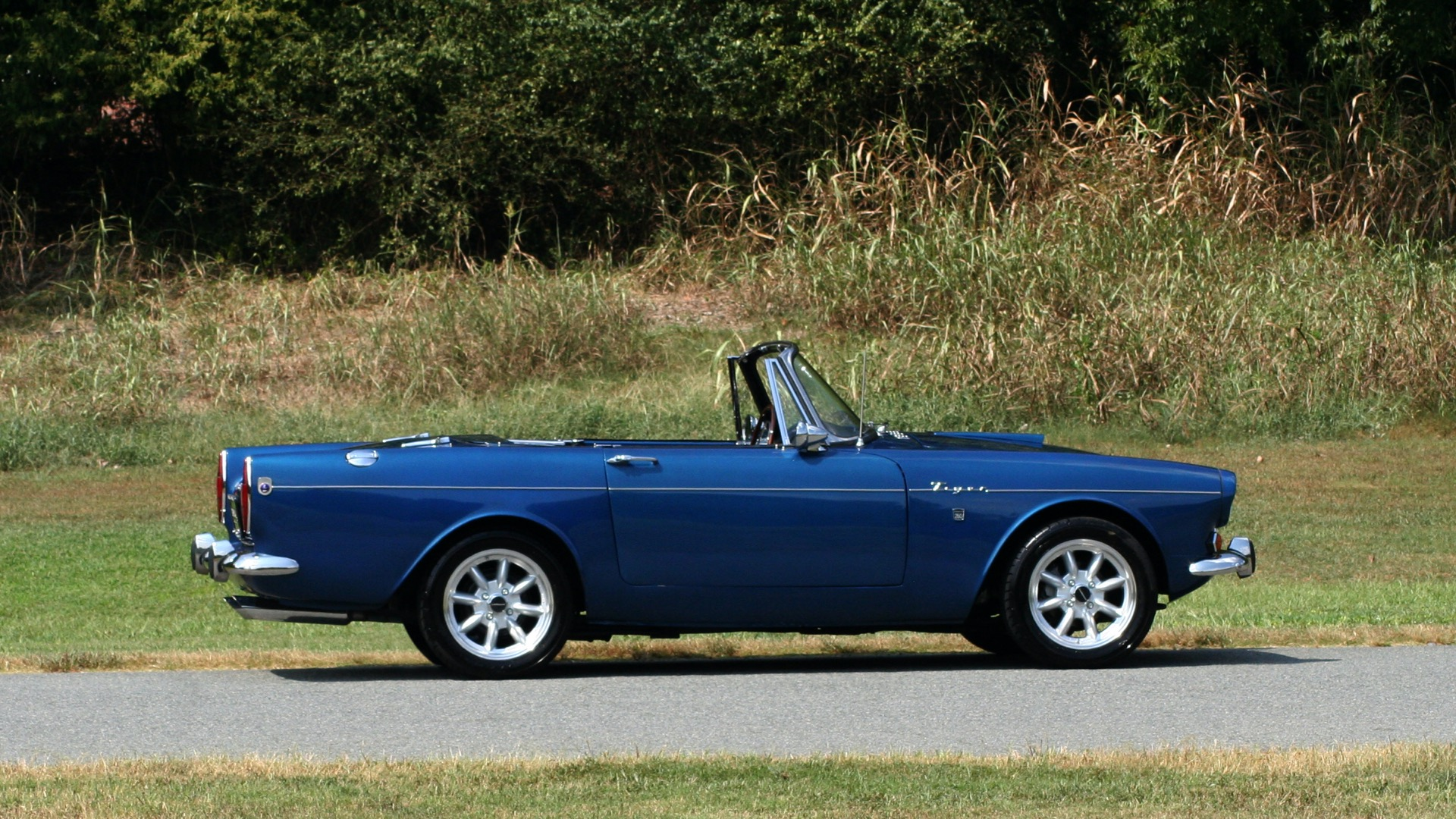 Used 1964 Sunbeam Tiger Convertible / 260ci V8 / 4-Speed Manual / Rear-Wheel Drive for sale $69,999 at Formula Imports in Charlotte NC 28227 70