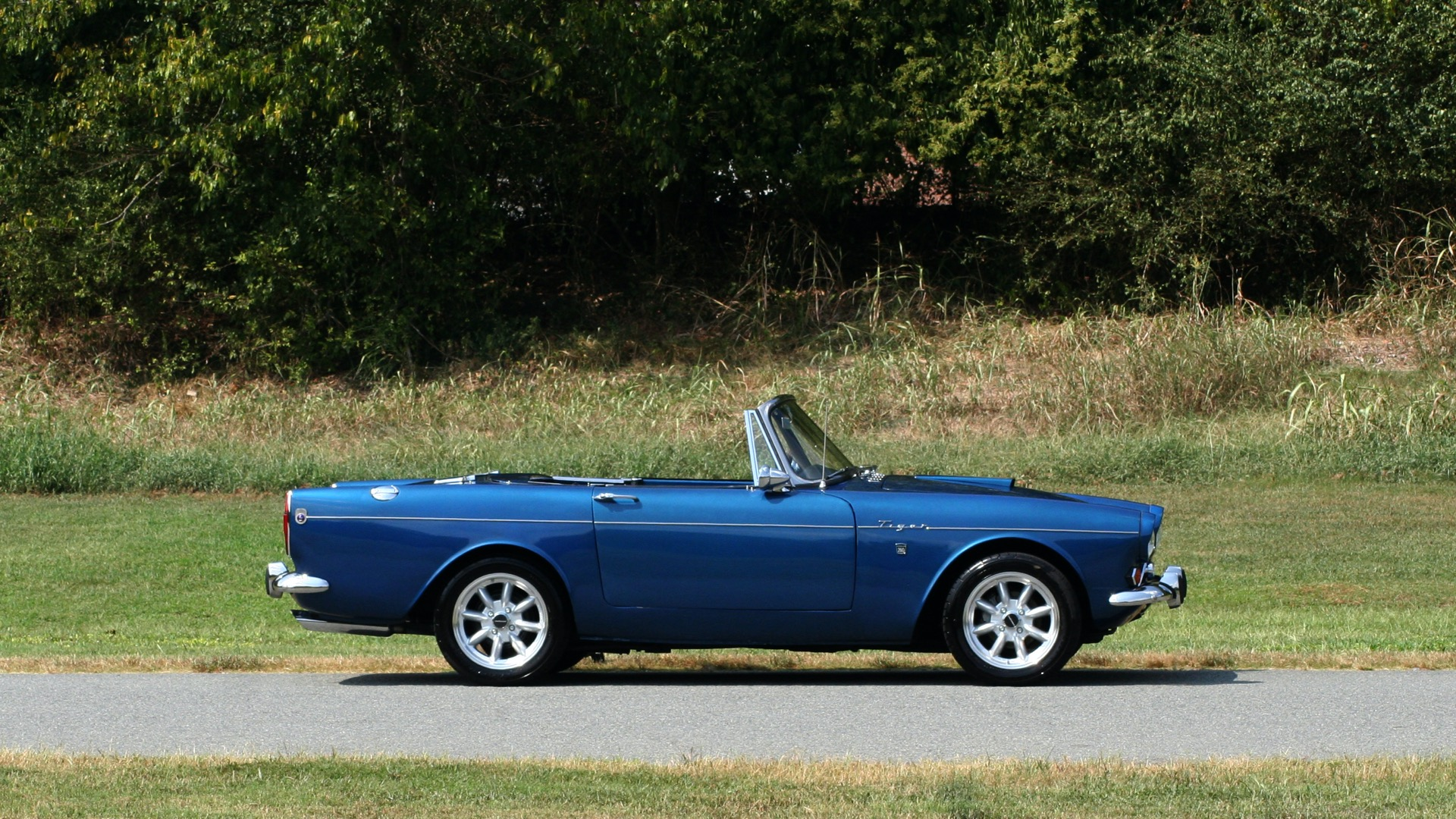 Used 1964 Sunbeam Tiger Convertible / 260ci V8 / 4-Speed Manual / Rear-Wheel Drive for sale $69,999 at Formula Imports in Charlotte NC 28227 71
