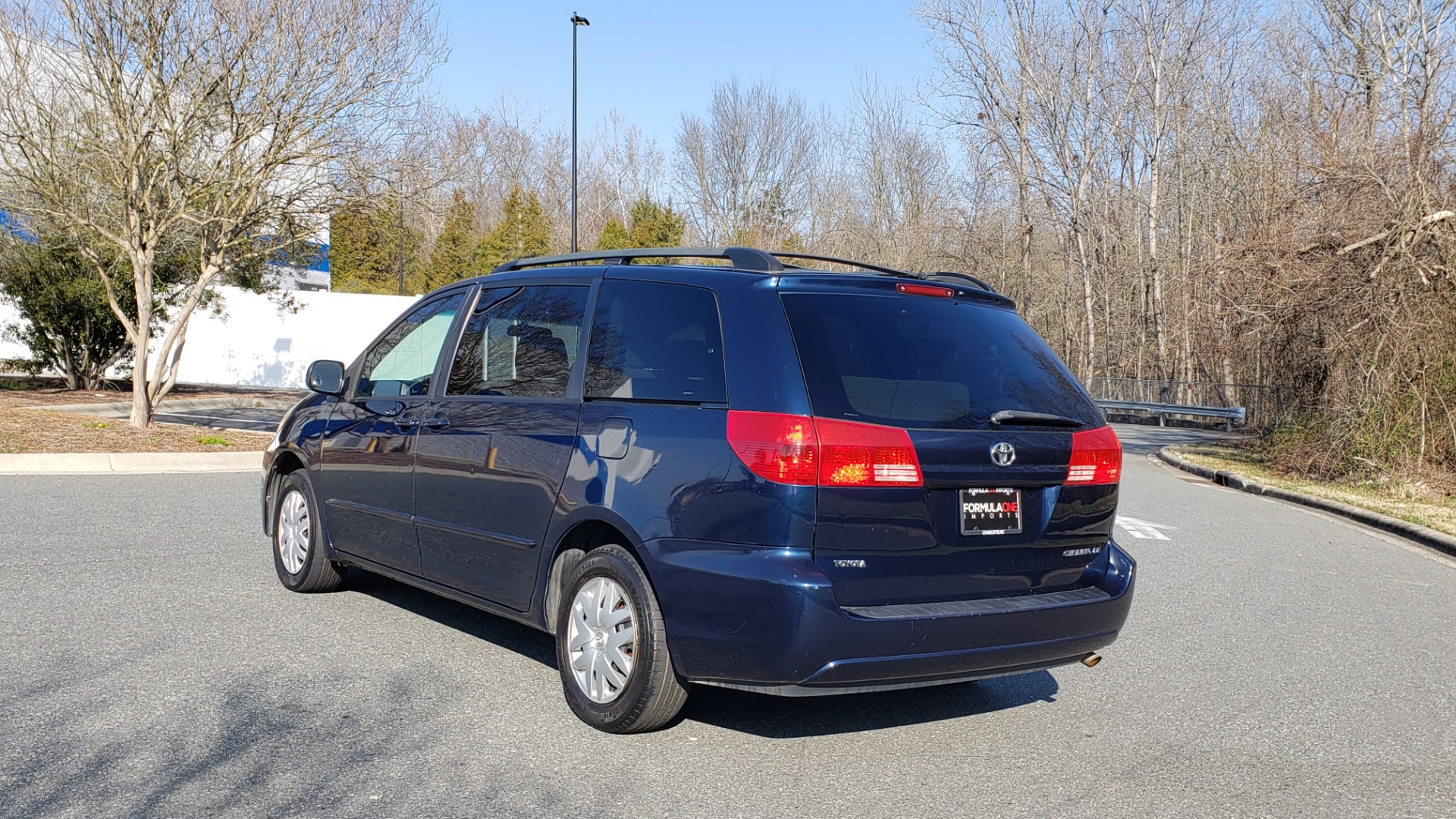 Used 2004 Toyota SIENNA LE 7-PASSENGER / ROOF RACK / PWR WNDWS for sale Sold at Formula Imports in Charlotte NC 28227 3