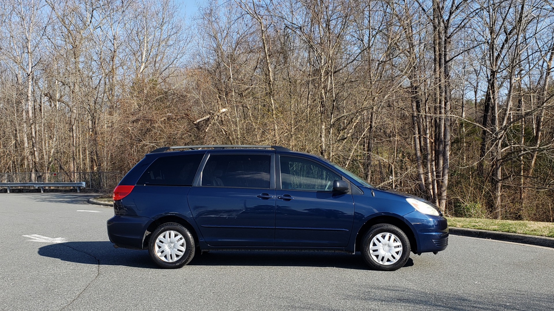 Used 2004 Toyota SIENNA LE 7-PASSENGER / ROOF RACK / PWR WNDWS for sale Sold at Formula Imports in Charlotte NC 28227 5