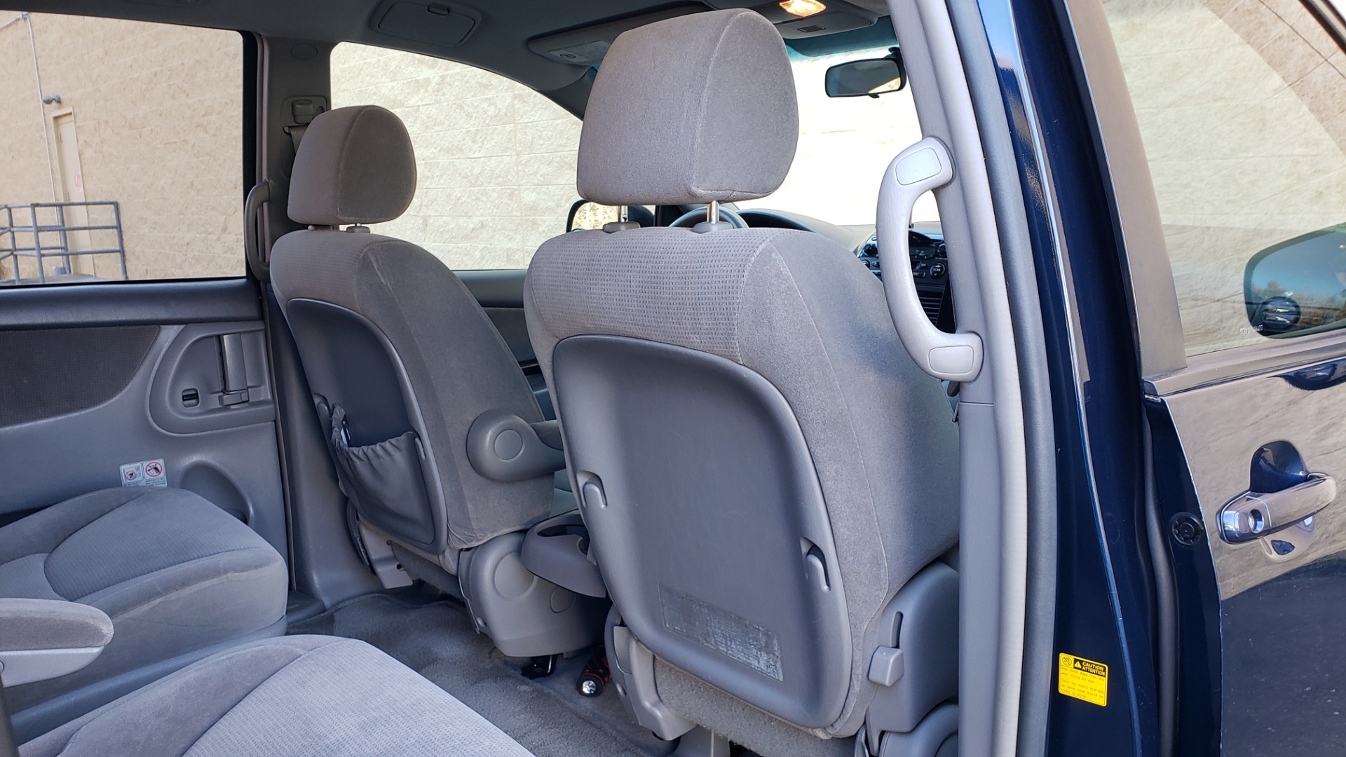 Used 2004 Toyota SIENNA LE 7-PASSENGER / ROOF RACK / PWR WNDWS for sale Sold at Formula Imports in Charlotte NC 28227 59