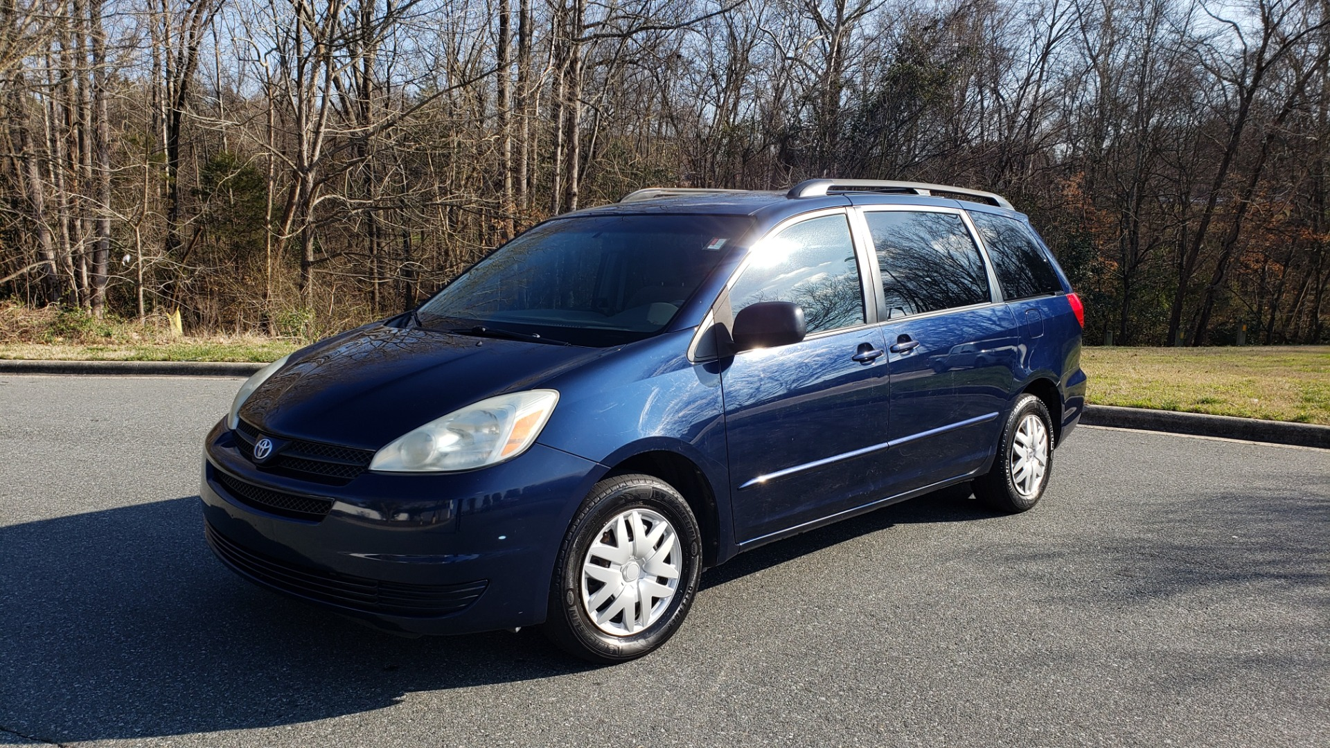 Used 2004 Toyota SIENNA LE 7-PASSENGER / ROOF RACK / PWR WNDWS for sale Sold at Formula Imports in Charlotte NC 28227 1