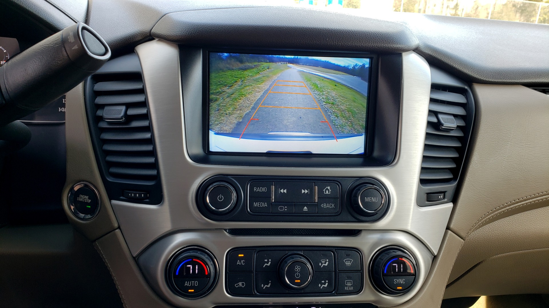 Used 2017 GMC YUKON SLT 4WD / NAV TOUCH SCREEN / BOSE / REARVIEW / 3-ROW for sale Sold at Formula Imports in Charlotte NC 28227 50