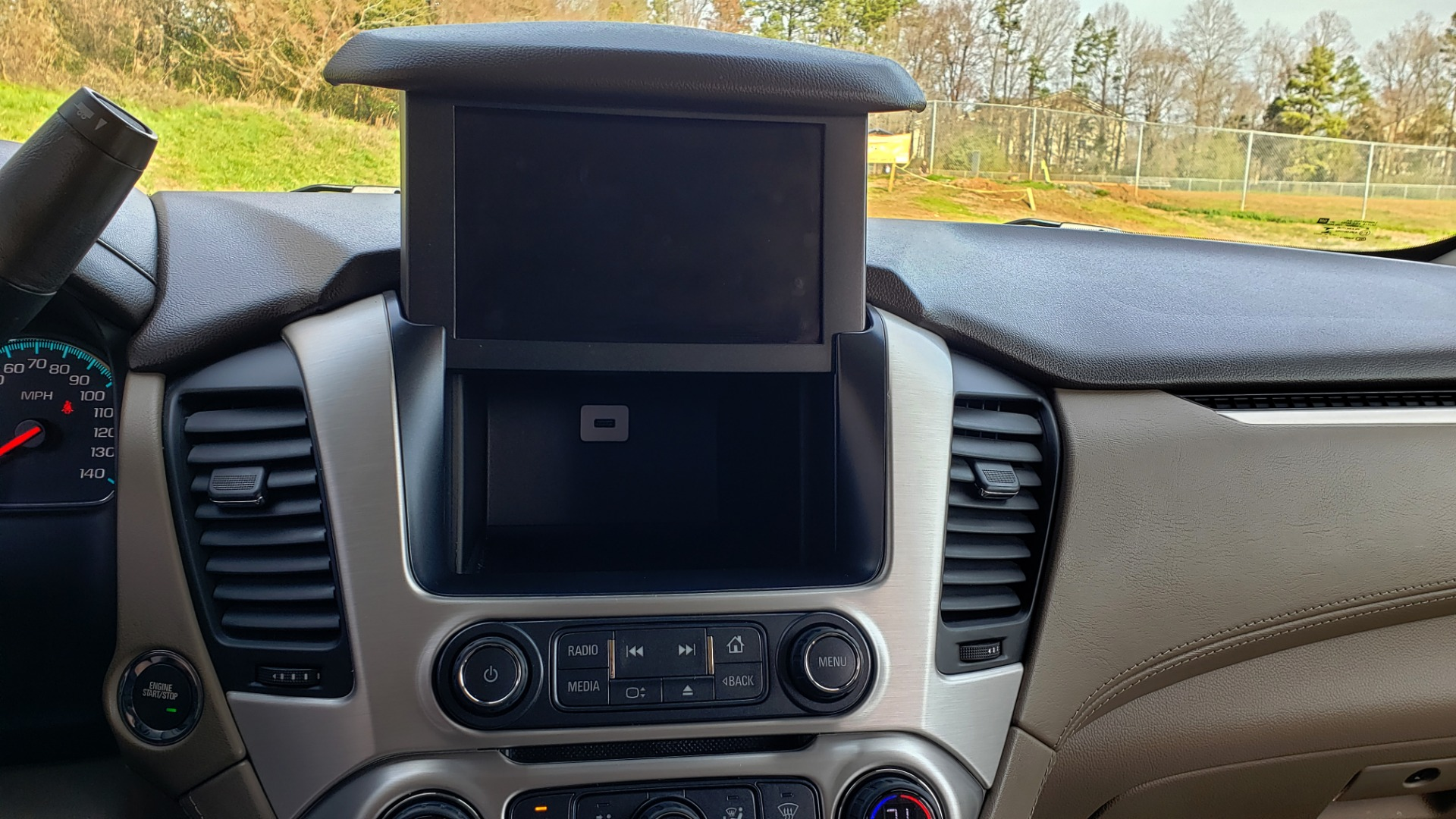 Used 2017 GMC YUKON SLT 4WD / NAV TOUCH SCREEN / BOSE / REARVIEW / 3-ROW for sale Sold at Formula Imports in Charlotte NC 28227 94