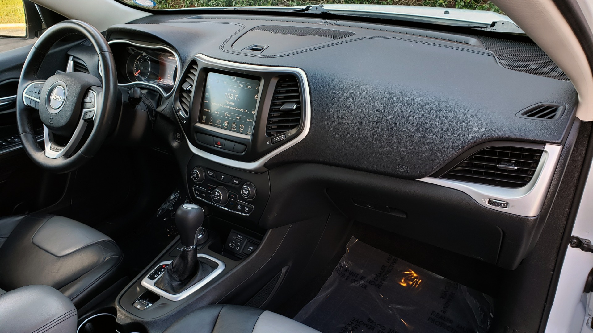 Used 2014 Jeep CHEROKEE LIMITED 4WD / 3.2L V6 / 9SPD AUTO / DUAL-SUNROOF / TOW for sale Sold at Formula Imports in Charlotte NC 28227 70