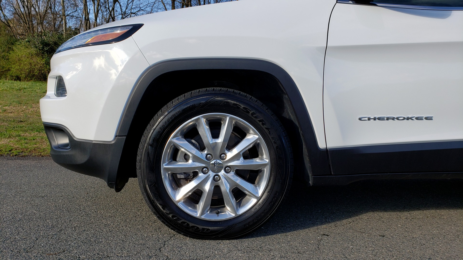 Used 2014 Jeep CHEROKEE LIMITED 4WD / 3.2L V6 / 9SPD AUTO / DUAL-SUNROOF / TOW for sale Sold at Formula Imports in Charlotte NC 28227 79