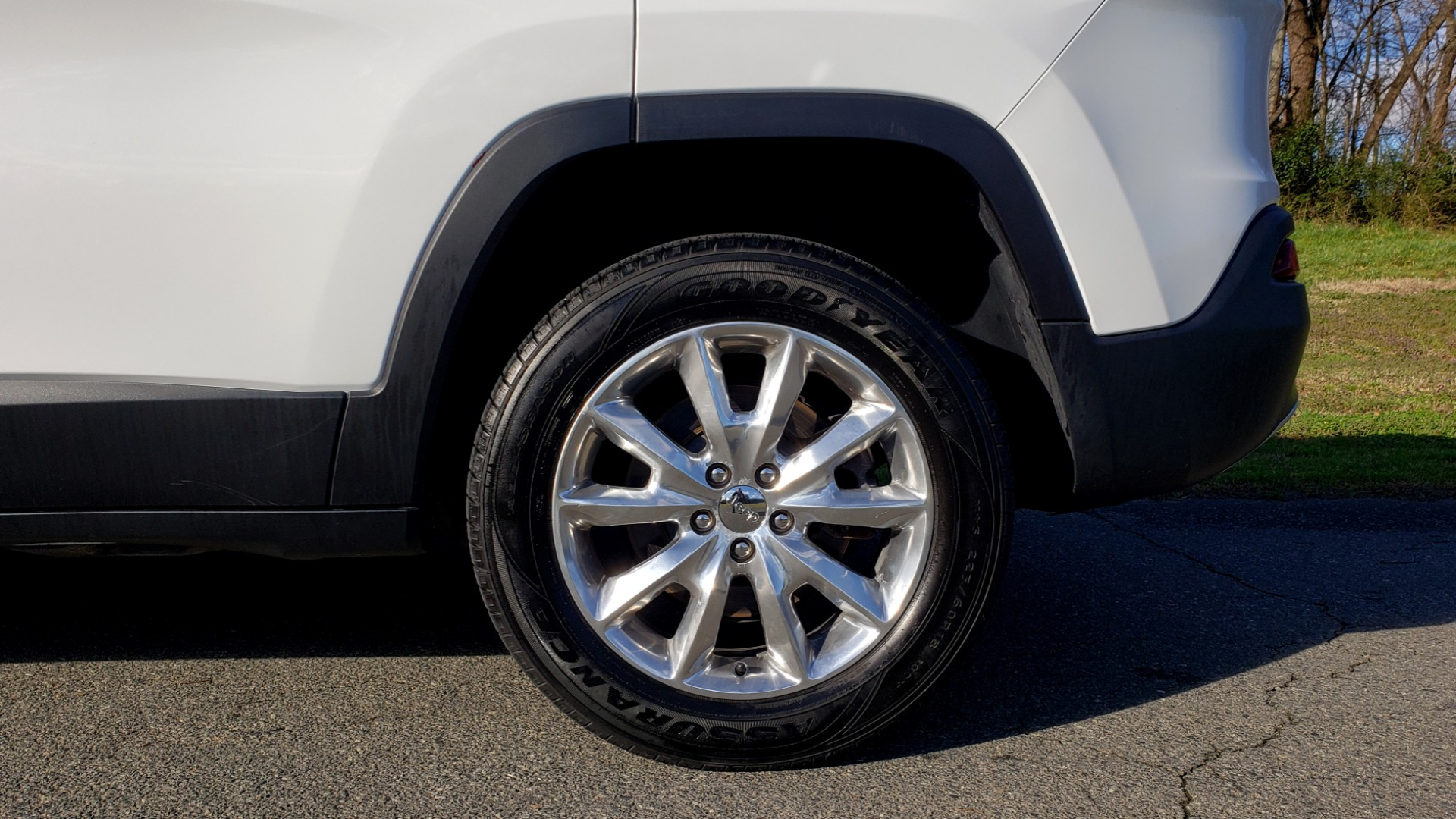 Used 2014 Jeep CHEROKEE LIMITED 4WD / 3.2L V6 / 9SPD AUTO / DUAL-SUNROOF / TOW for sale Sold at Formula Imports in Charlotte NC 28227 80