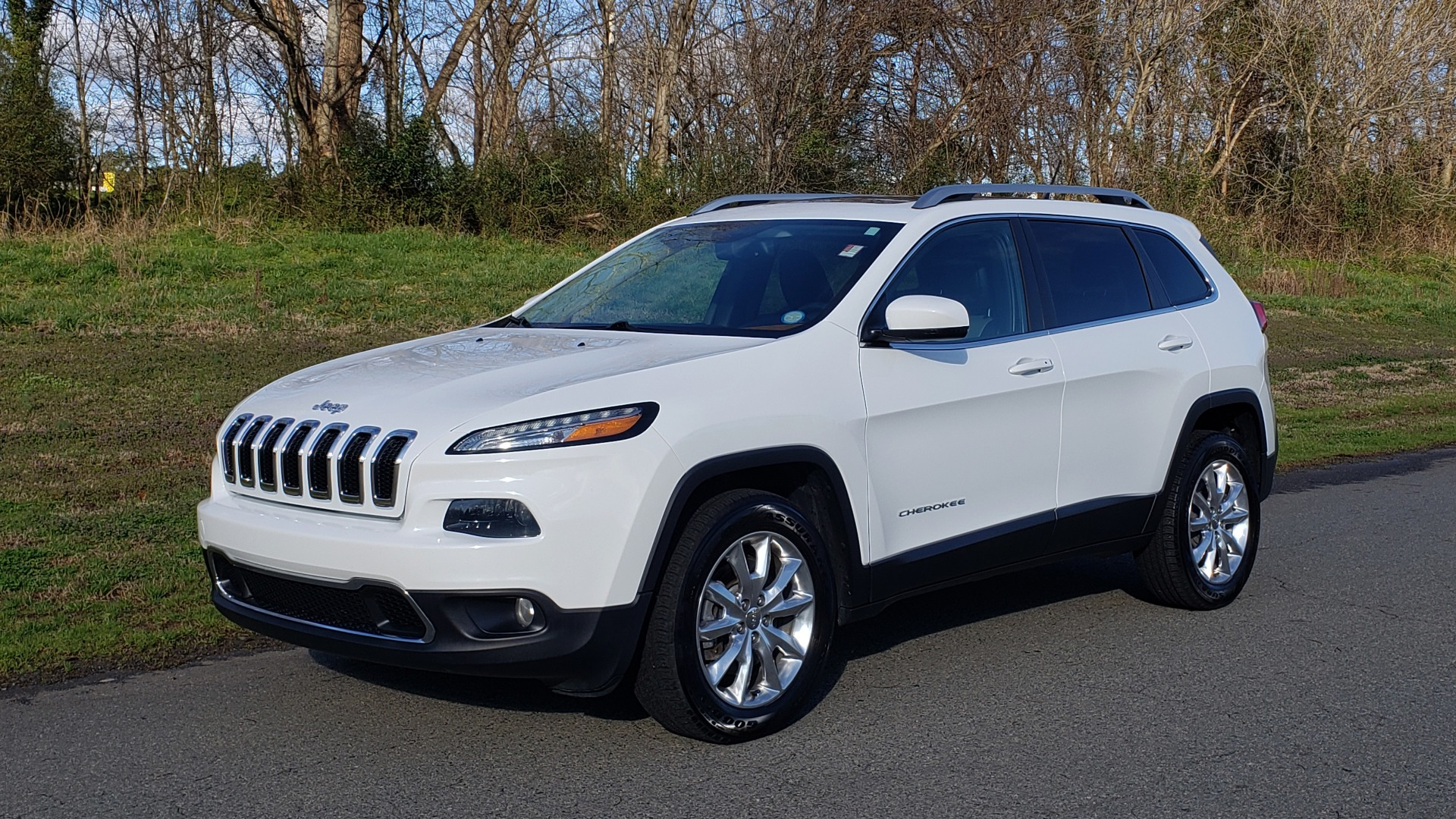 Used 2014 Jeep CHEROKEE LIMITED 4WD / 3.2L V6 / 9SPD AUTO / DUAL-SUNROOF / TOW for sale Sold at Formula Imports in Charlotte NC 28227 1