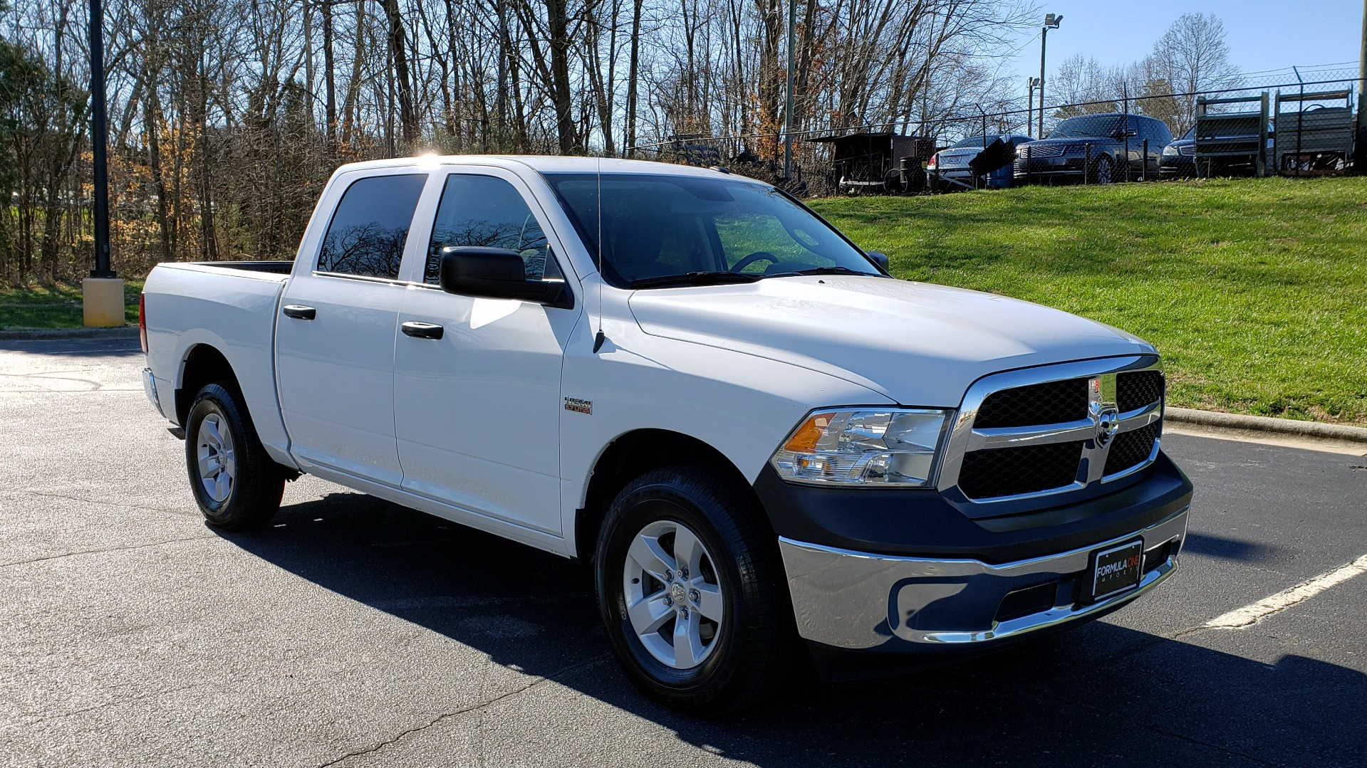 Used 2016 Ram 1500 SXT CREW CAB 4X4 / 5.7L HEMI / 6-SPD AUTO / BED LINER for sale $23,695 at Formula Imports in Charlotte NC 28227 6