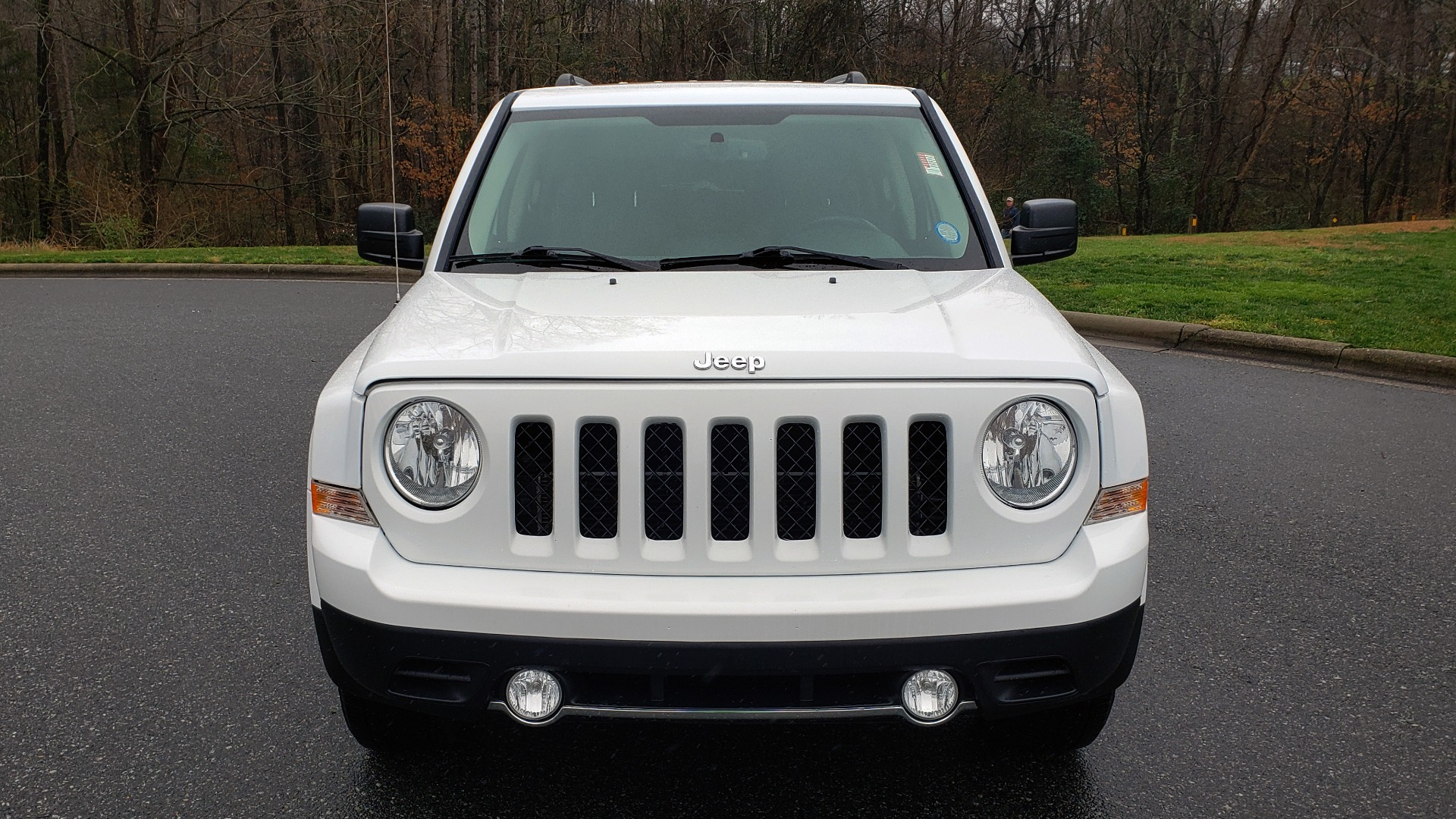 Used 2016 Jeep PATRIOT HIGH ALTITUDE EDITION 4WD / SUNROOF / 4-CYL / 6-SPD AUTO for sale $14,695 at Formula Imports in Charlotte NC 28227 17