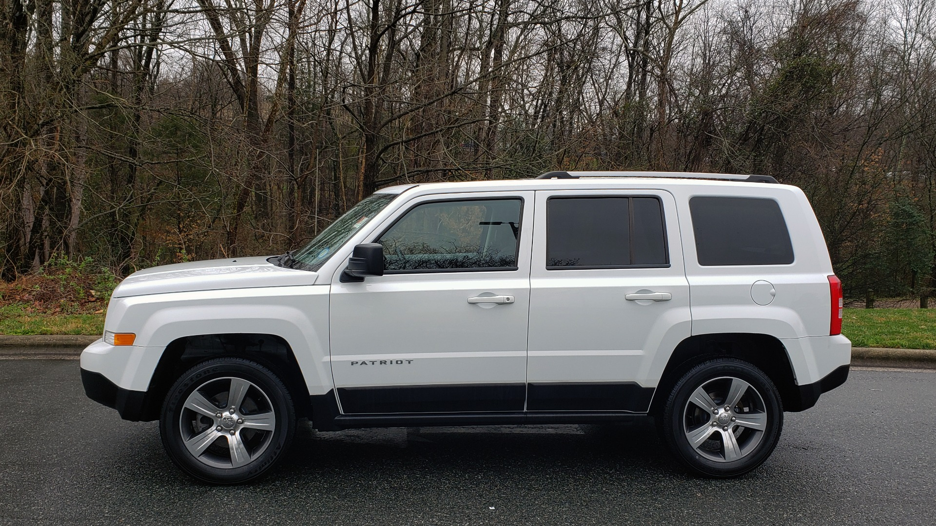 Used 2016 Jeep PATRIOT HIGH ALTITUDE EDITION 4WD / SUNROOF / 4-CYL / 6-SPD AUTO for sale $14,695 at Formula Imports in Charlotte NC 28227 2