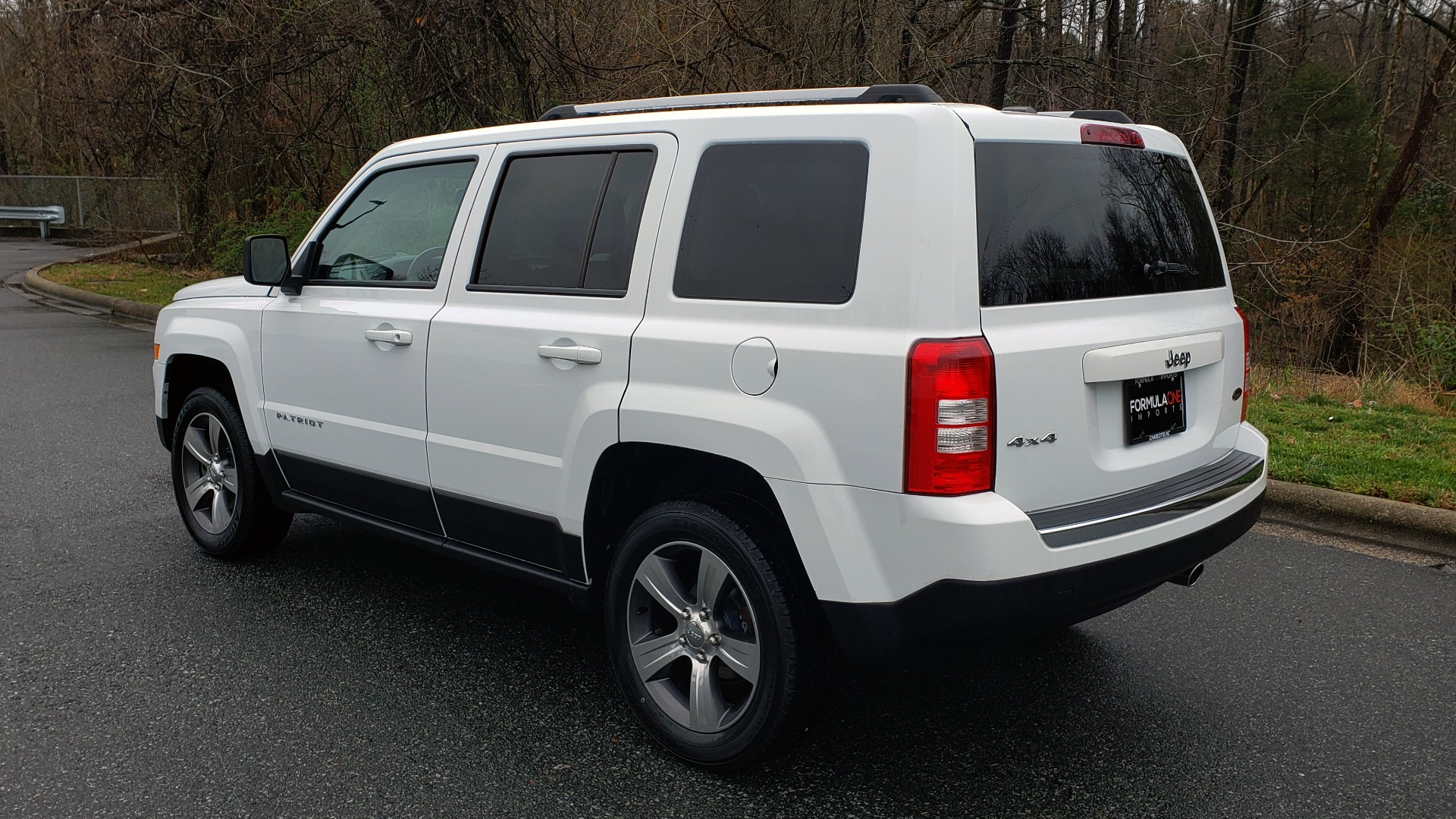 Used 2016 Jeep PATRIOT HIGH ALTITUDE EDITION 4WD / SUNROOF / 4-CYL / 6-SPD AUTO for sale $14,695 at Formula Imports in Charlotte NC 28227 3