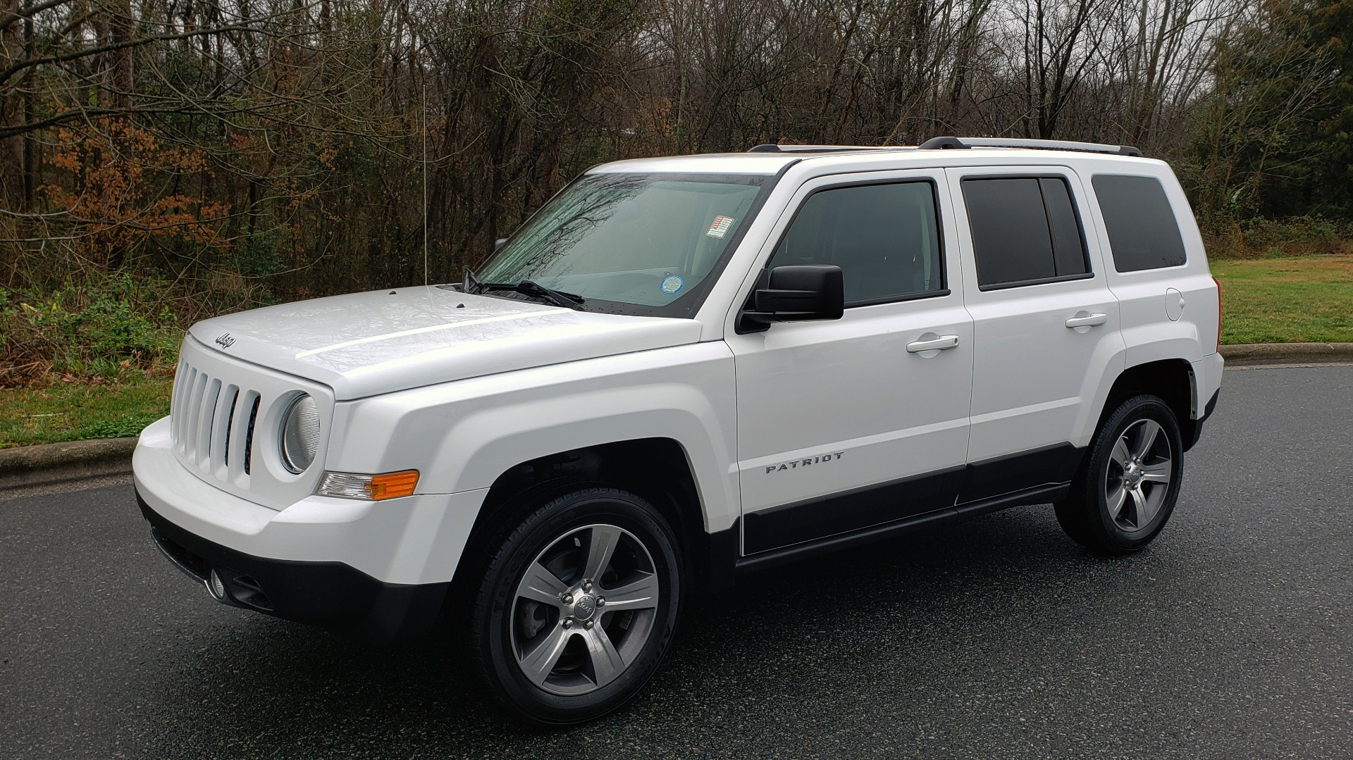 Used 2016 Jeep PATRIOT HIGH ALTITUDE EDITION 4WD / SUNROOF / 4-CYL / 6-SPD AUTO for sale $14,695 at Formula Imports in Charlotte NC 28227 1