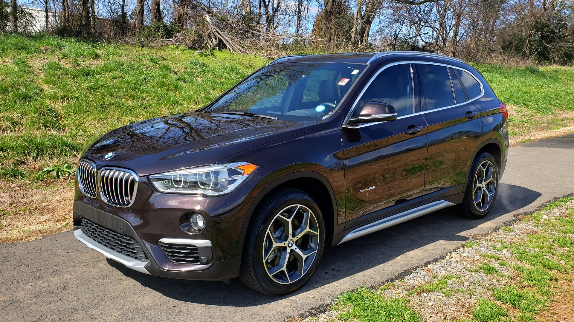 Used 2017 BMW X1 SDRIVE28I PREMIUM / DRVR ASST / PANO-ROOF / REARVIEW for sale Sold at Formula Imports in Charlotte NC 28227 1