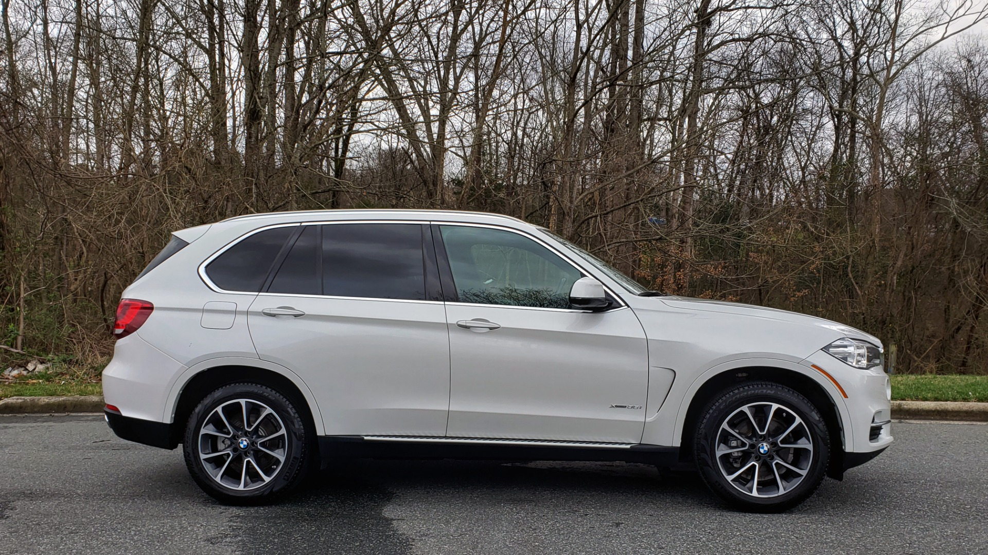 Used 2017 BMW X5 XDRIVE35I / NAV / HUD / DRVR ASST / SUNROOF / REARVIEW for sale Sold at Formula Imports in Charlotte NC 28227 5