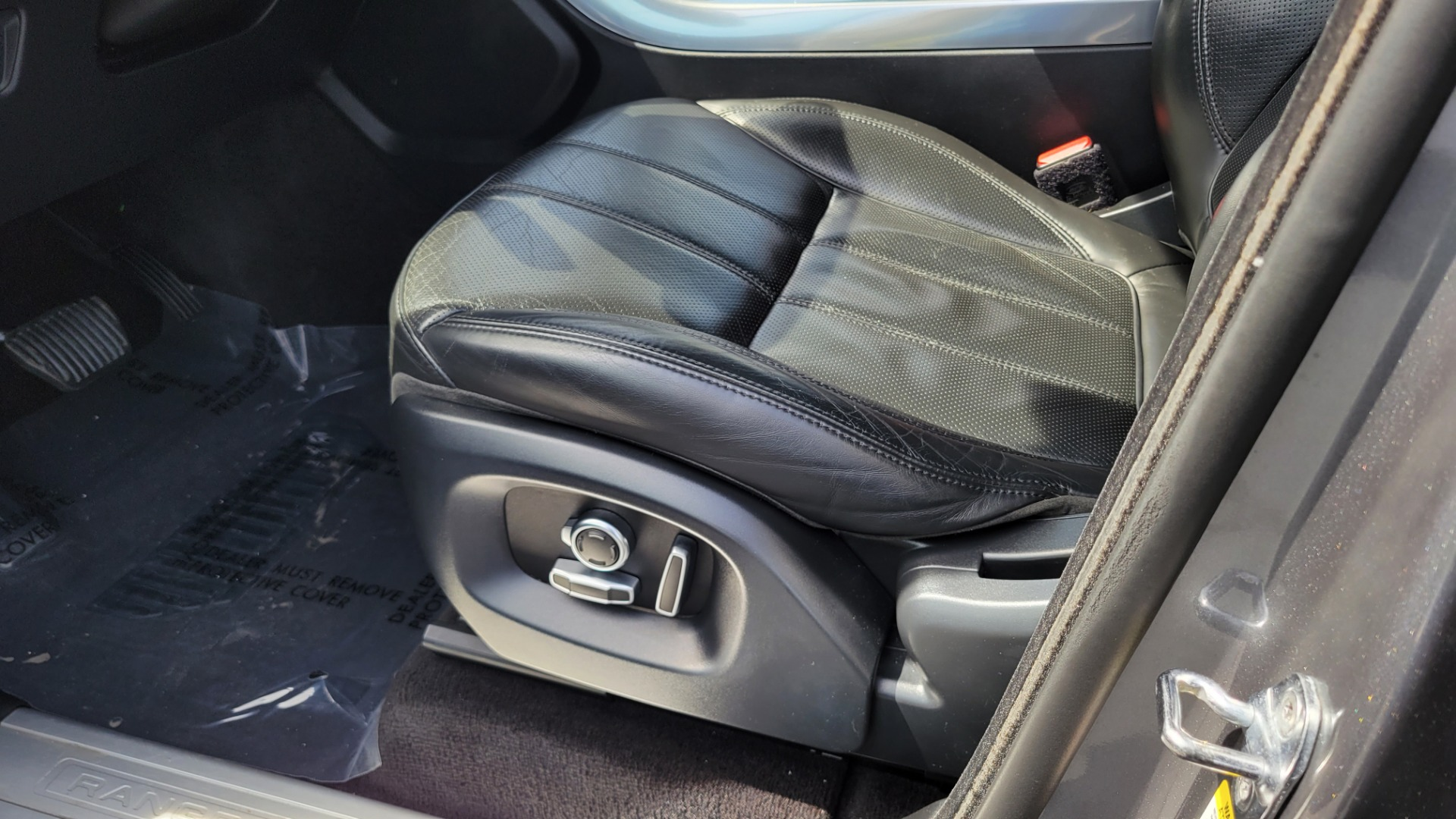 Used 2016 Land Rover Range Rover Sport V6 HSE for sale $44,995 at Formula Imports in Charlotte NC 28227 38