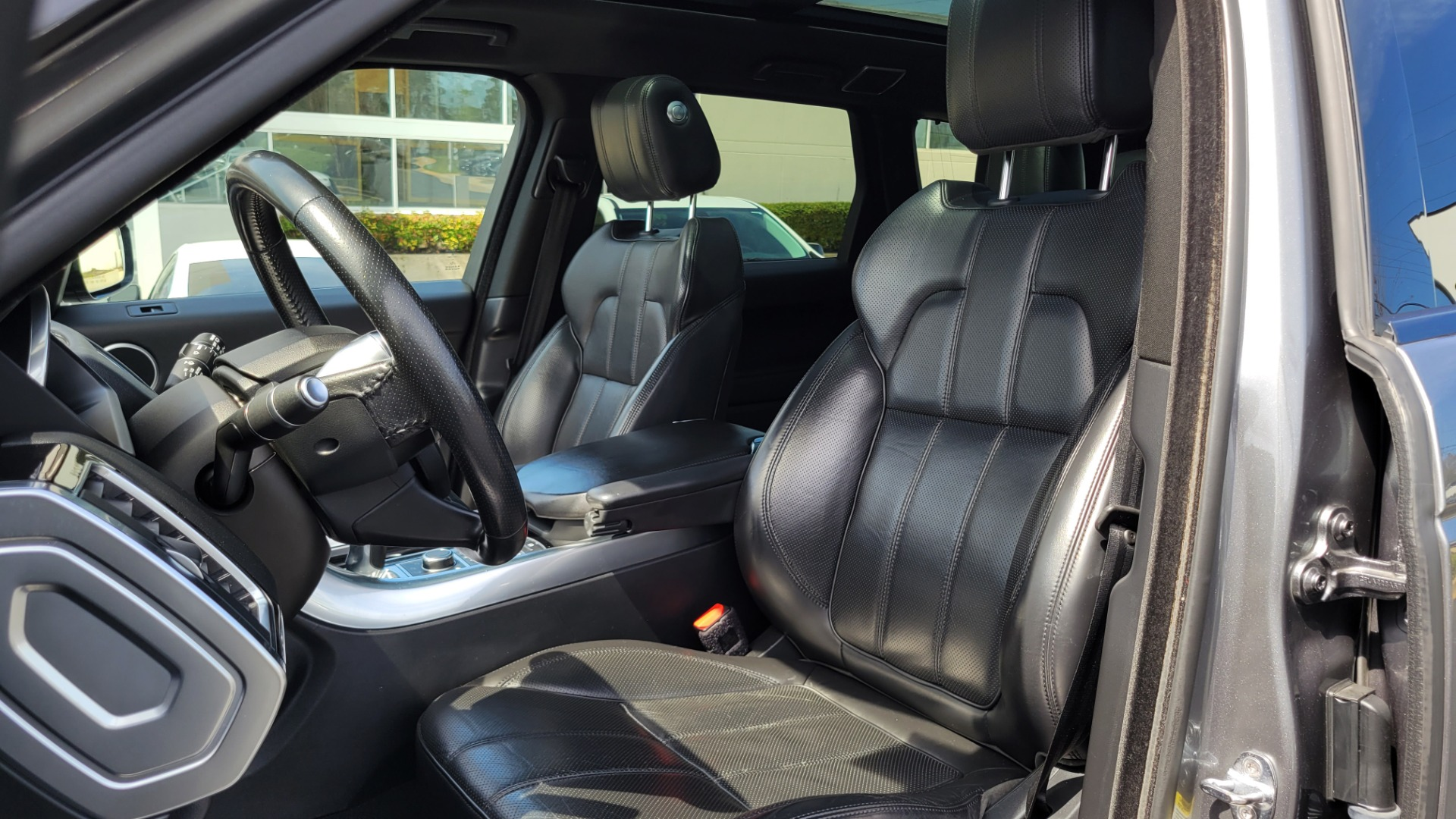 Used 2016 Land Rover RANGE ROVER SPORT SC V6 HSE / NAV / SUNROOF / REARVIEW / HTD STS / COOLER for sale Sold at Formula Imports in Charlotte NC 28227 41