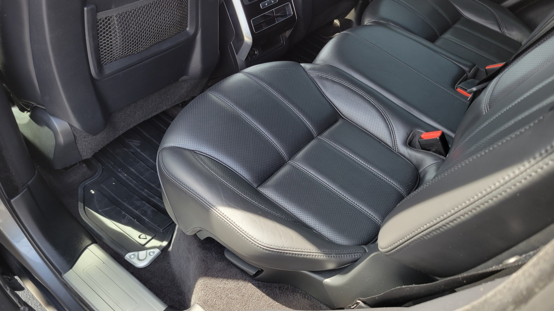 Used 2016 Land Rover RANGE ROVER SPORT SC V6 HSE / NAV / SUNROOF / REARVIEW / HTD STS / COOLER for sale Sold at Formula Imports in Charlotte NC 28227 60