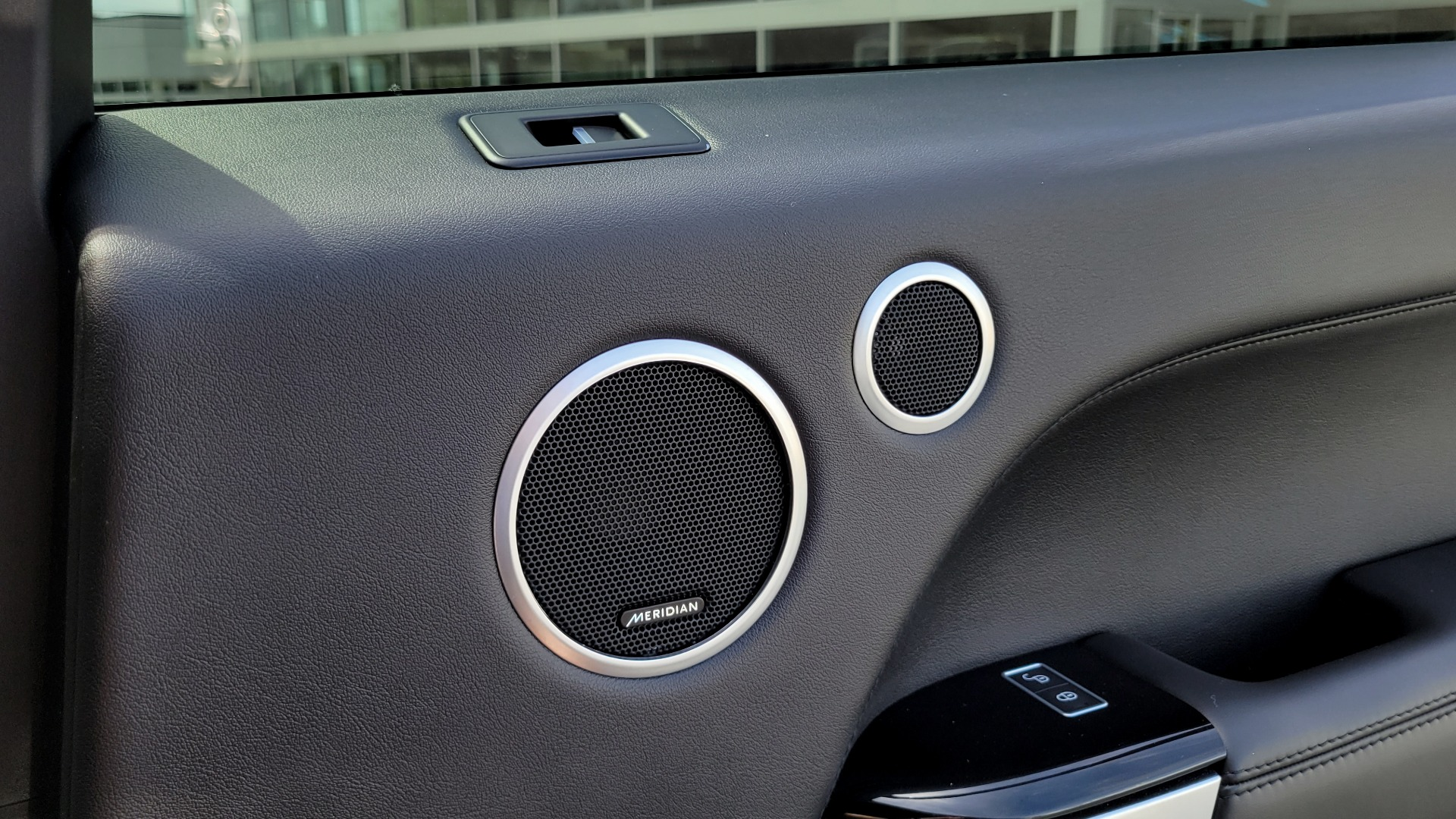 Used 2016 Land Rover RANGE ROVER SPORT SC V6 HSE / NAV / SUNROOF / REARVIEW / HTD STS / COOLER for sale Sold at Formula Imports in Charlotte NC 28227 80