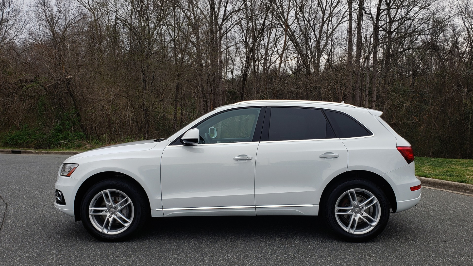 Used 2017 Audi Q5 PREMIUM PLUS / TECH / NAV / PANO-ROOF / B&O SND / REARVIEW for sale Sold at Formula Imports in Charlotte NC 28227 2