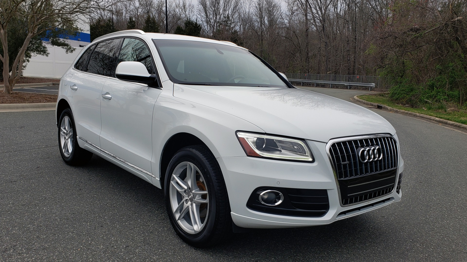 Used 2017 Audi Q5 PREMIUM PLUS / TECH / NAV / PANO-ROOF / B&O SND / REARVIEW for sale Sold at Formula Imports in Charlotte NC 28227 4