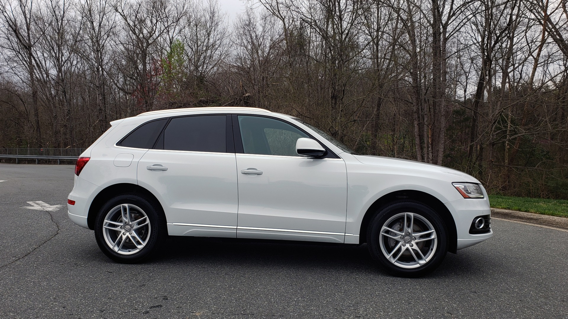 Used 2017 Audi Q5 PREMIUM PLUS / TECH / NAV / PANO-ROOF / B&O SND / REARVIEW for sale Sold at Formula Imports in Charlotte NC 28227 5