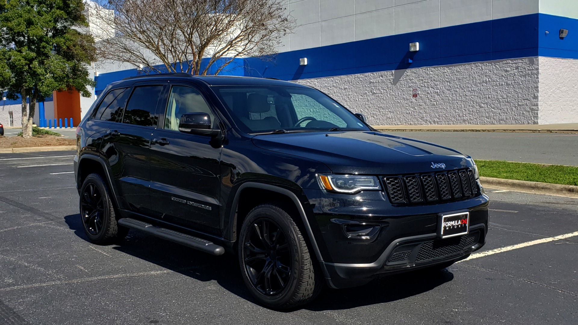 Used 2018 Jeep GRAND CHEROKEE LIMITED 4X4 / NAV / SUNROOF / HTD STS / REARVIEW for sale Sold at Formula Imports in Charlotte NC 28227 11