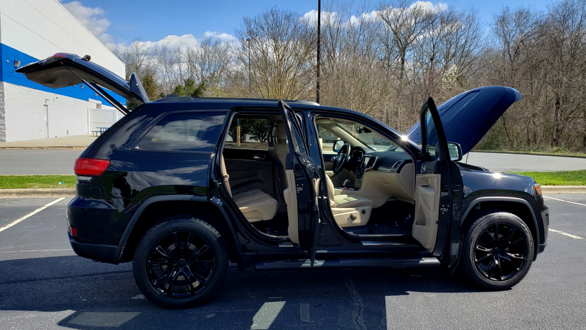 Used 2018 Jeep GRAND CHEROKEE LIMITED 4X4 / NAV / SUNROOF / HTD STS / REARVIEW for sale Sold at Formula Imports in Charlotte NC 28227 14