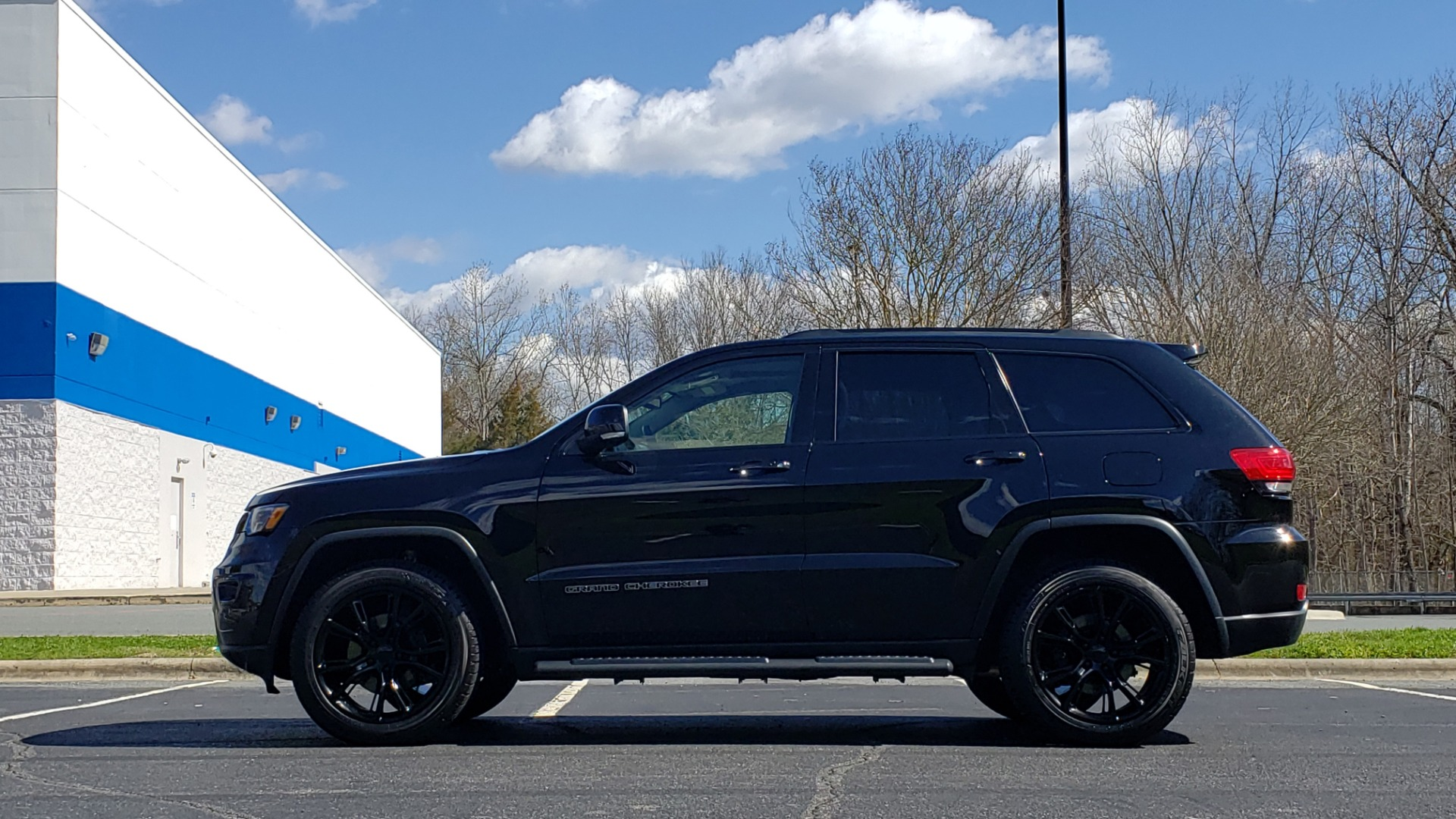 Used 2018 Jeep GRAND CHEROKEE LIMITED 4X4 / NAV / SUNROOF / HTD STS / REARVIEW for sale Sold at Formula Imports in Charlotte NC 28227 2