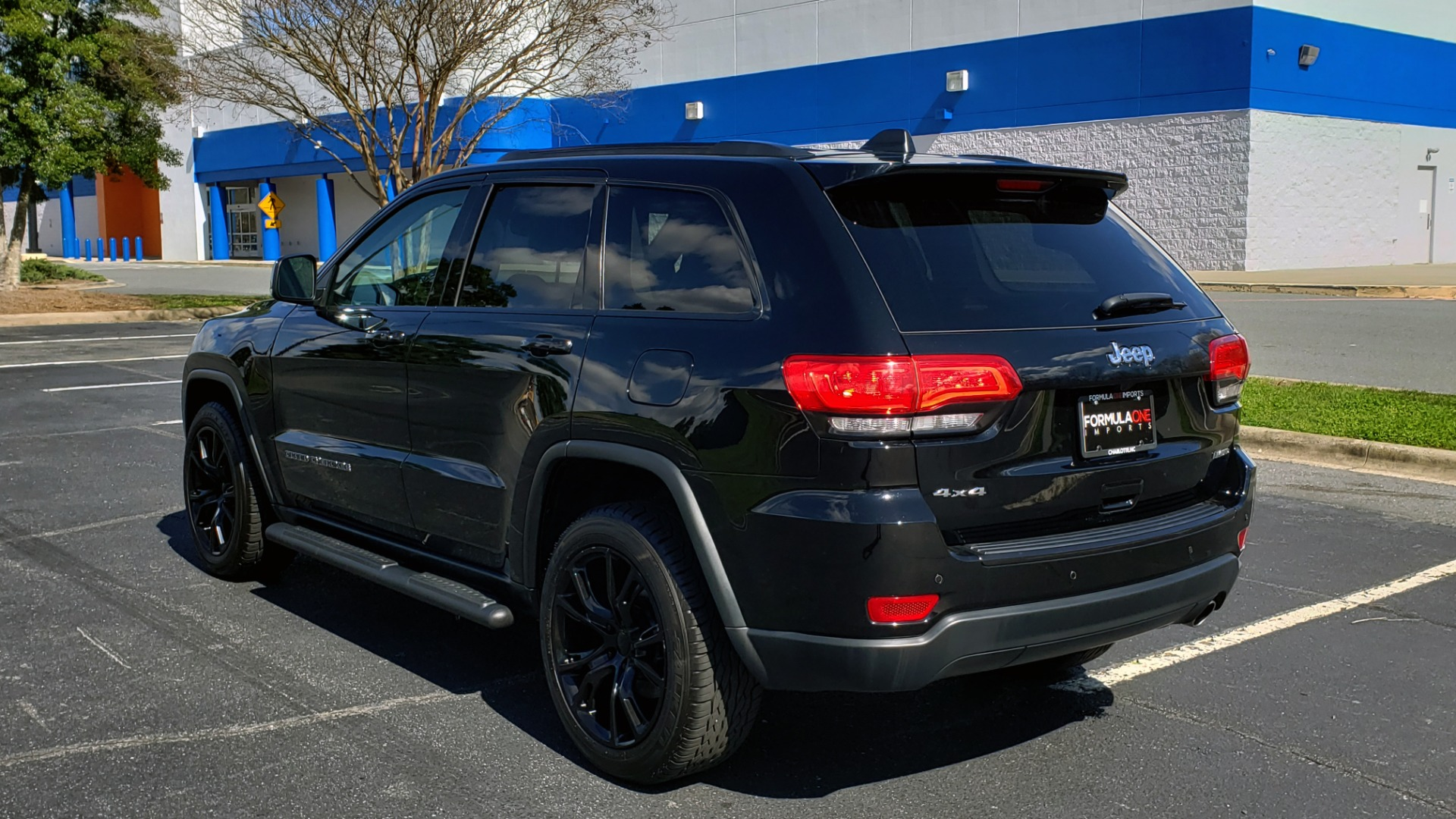 Used 2018 Jeep GRAND CHEROKEE LIMITED 4X4 / NAV / SUNROOF / HTD STS / REARVIEW for sale Sold at Formula Imports in Charlotte NC 28227 3