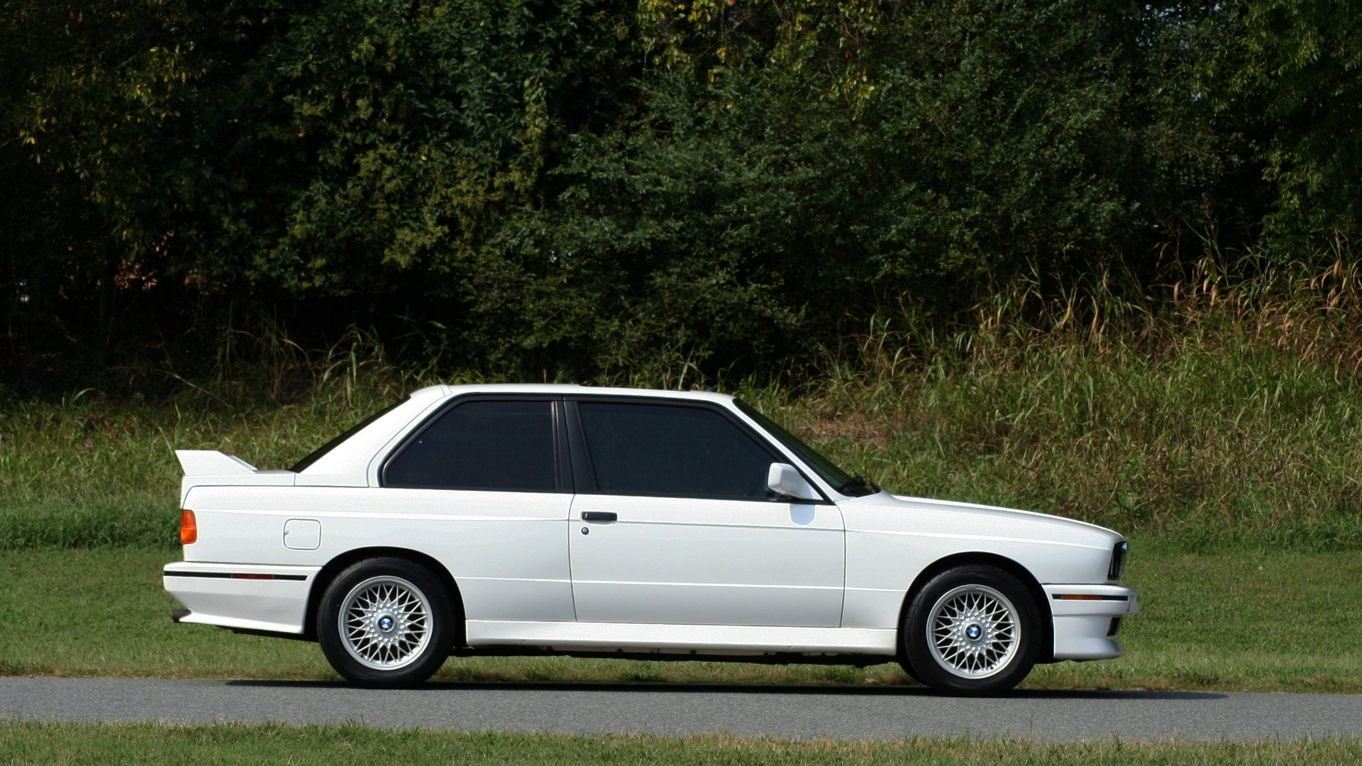 Used 1989 BMW M3 COUPE 2DR / 5-SPEED MAN / LOW MILES / SUPER CLEAN for sale Sold at Formula Imports in Charlotte NC 28227 10