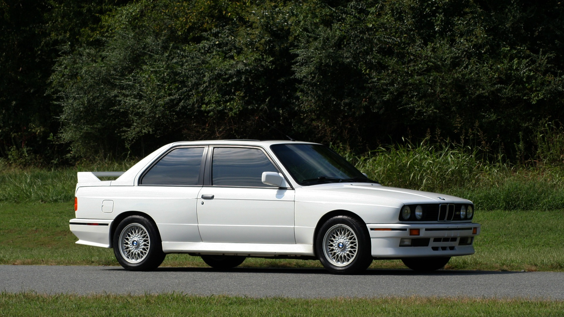 Used 1989 BMW M3 COUPE 2DR / 5-SPEED MAN / LOW MILES / SUPER CLEAN for sale Sold at Formula Imports in Charlotte NC 28227 11
