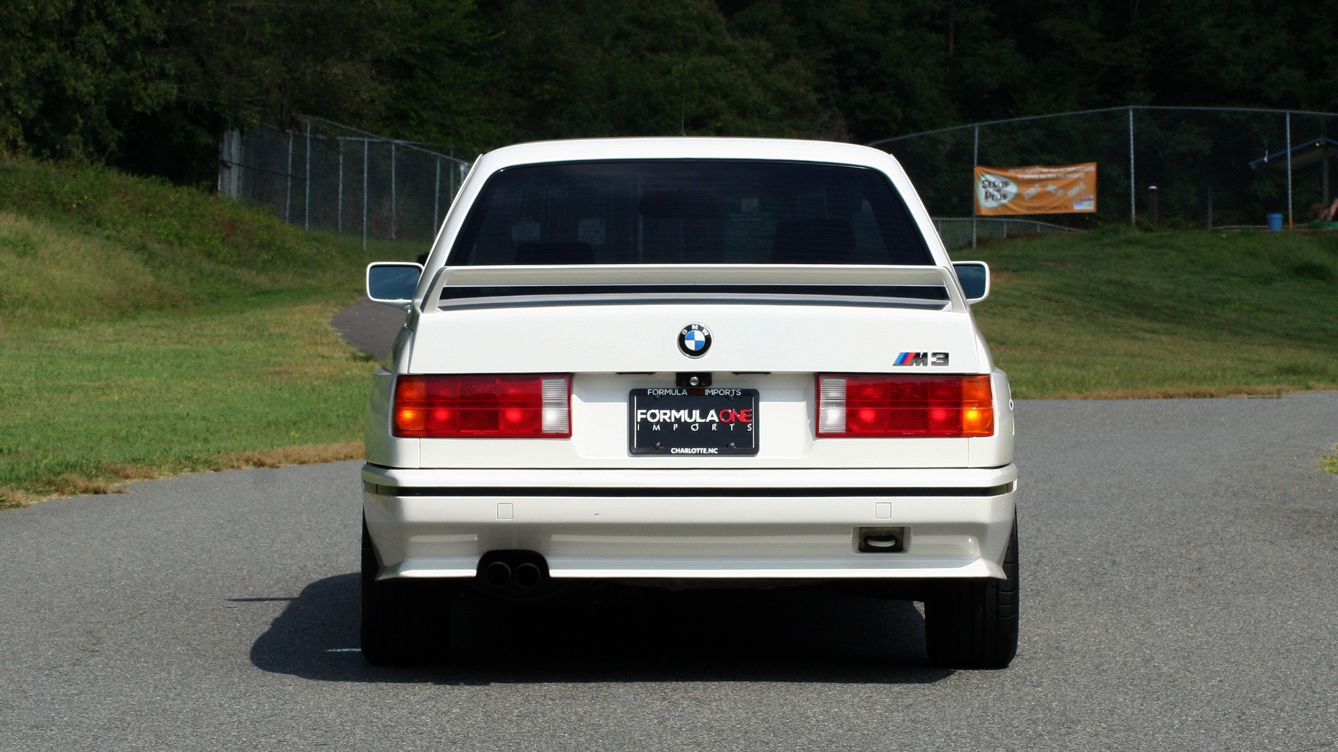 Used 1989 BMW M3 COUPE 2DR / 5-SPEED MAN / LOW MILES / SUPER CLEAN for sale Sold at Formula Imports in Charlotte NC 28227 13