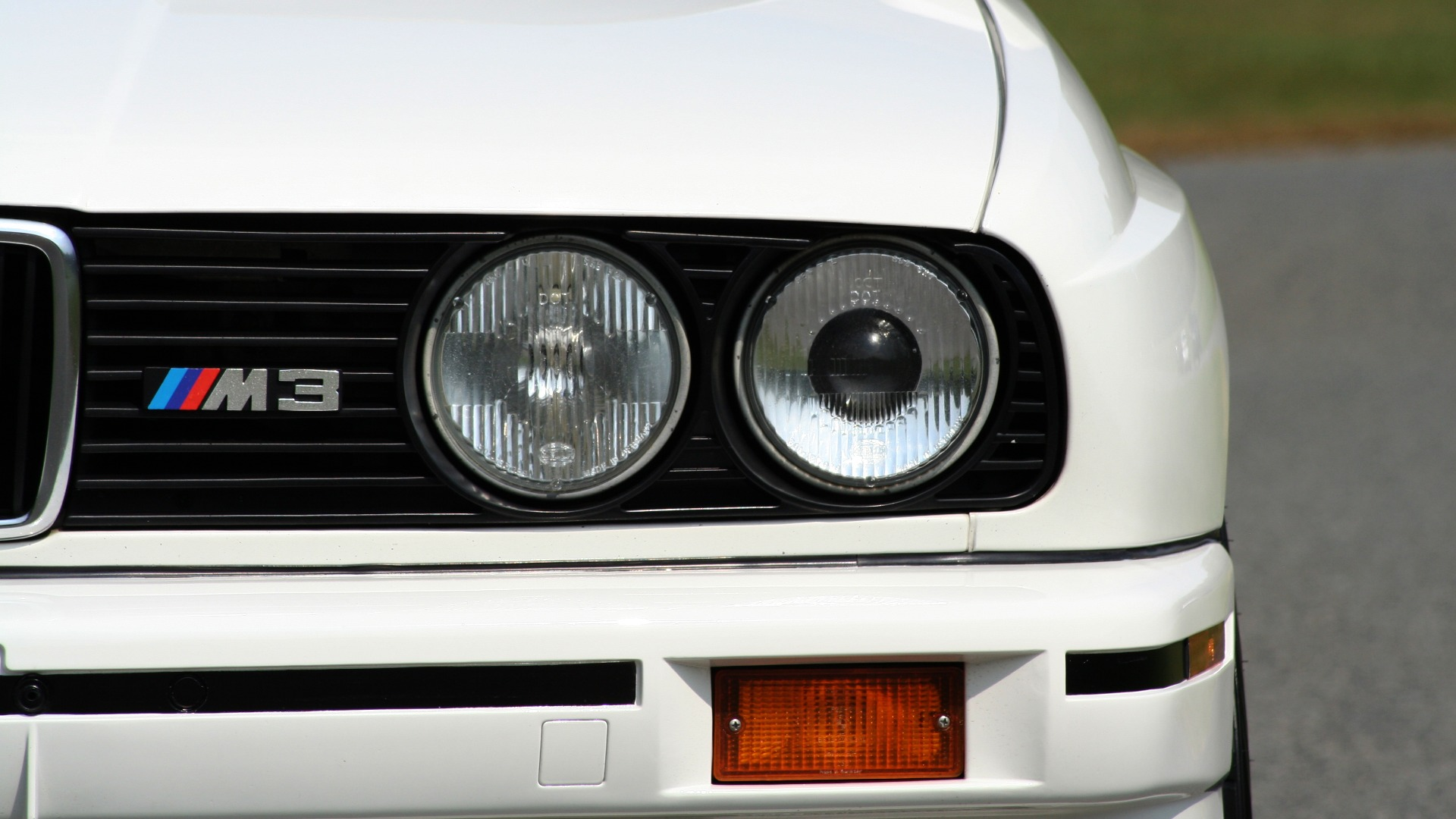 Used 1989 BMW M3 COUPE 2DR / 5-SPEED MAN / LOW MILES / SUPER CLEAN for sale Sold at Formula Imports in Charlotte NC 28227 16
