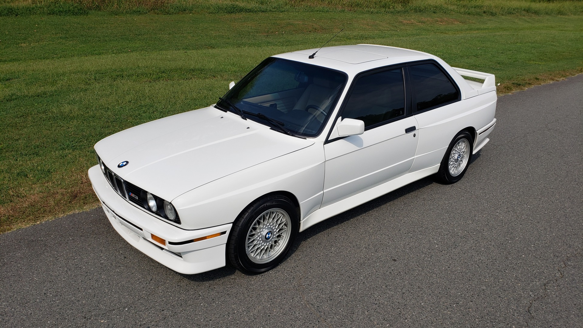Used 1989 BMW M3 COUPE 2DR / 5-SPEED MAN / LOW MILES / SUPER CLEAN for sale Sold at Formula Imports in Charlotte NC 28227 18